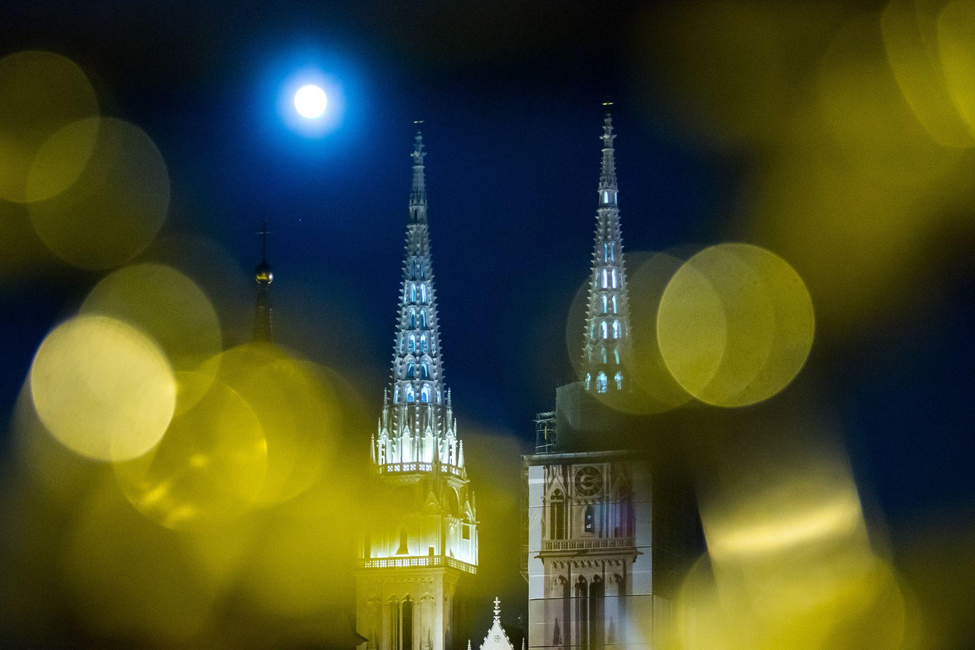 """""""SUPERMJESEC"""": Večeras najsjajniji Mjesec u 68 godina"""