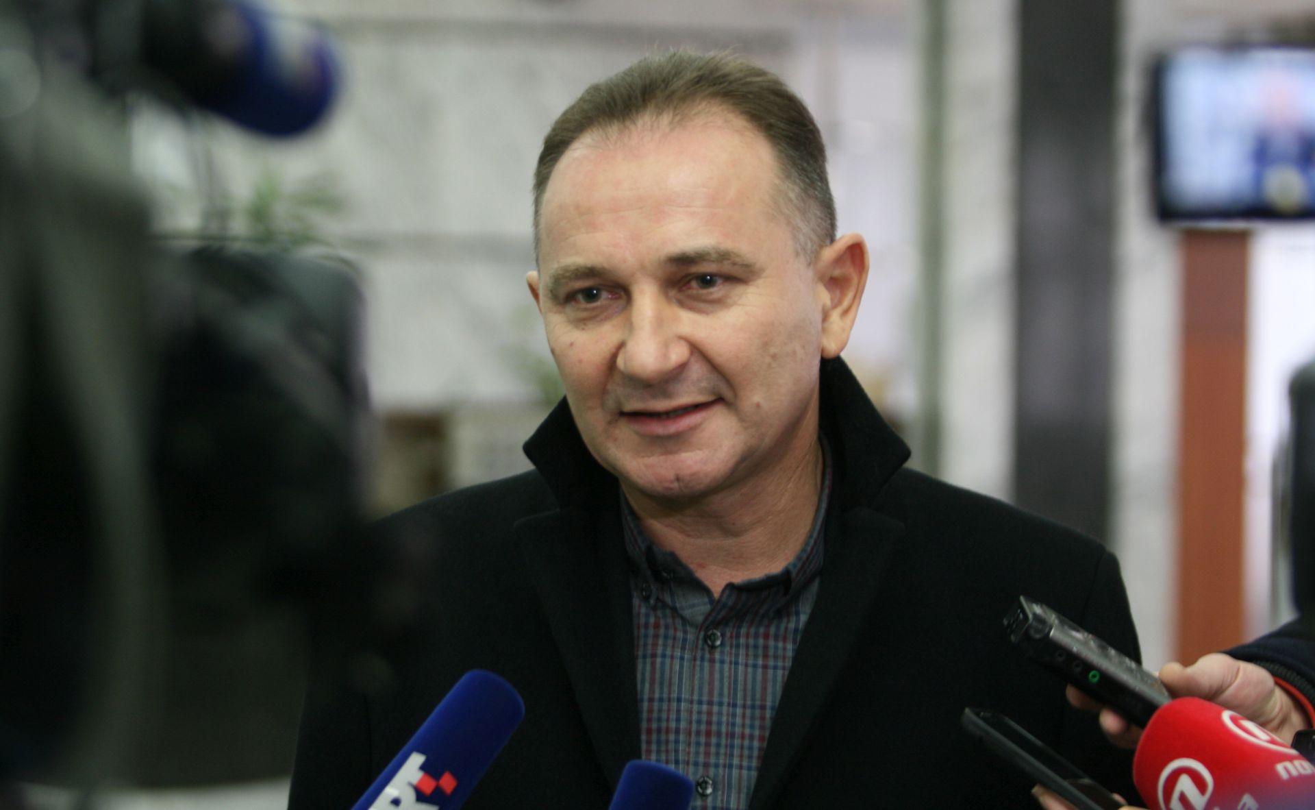 MINISTARSTVO RADA: Vlada, sindikati i poslodavci suglasili se o porastu minimalne plaće