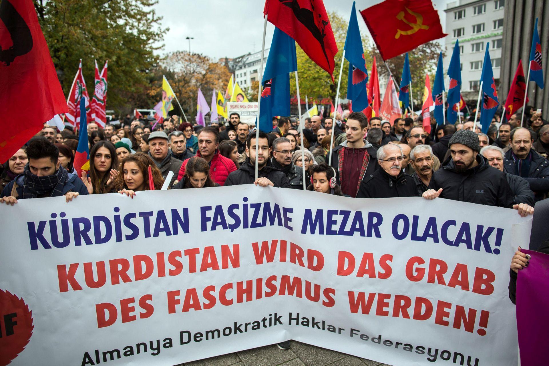 PROSVJED U KOELNU: Njemački Kurdi protiv uhićenja zastupnika HDP-a u Turskoj