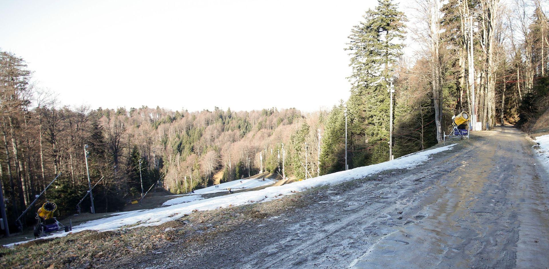 PROMJENA VREMENA: Na Sljemenu pao snijeg