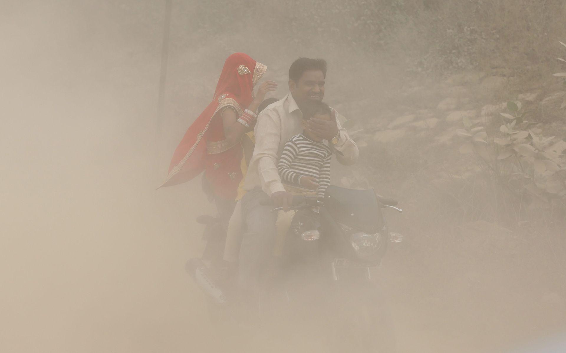 ZAGAĐENJE ZRAKA: New Delhi provodi mjere protiv smoga