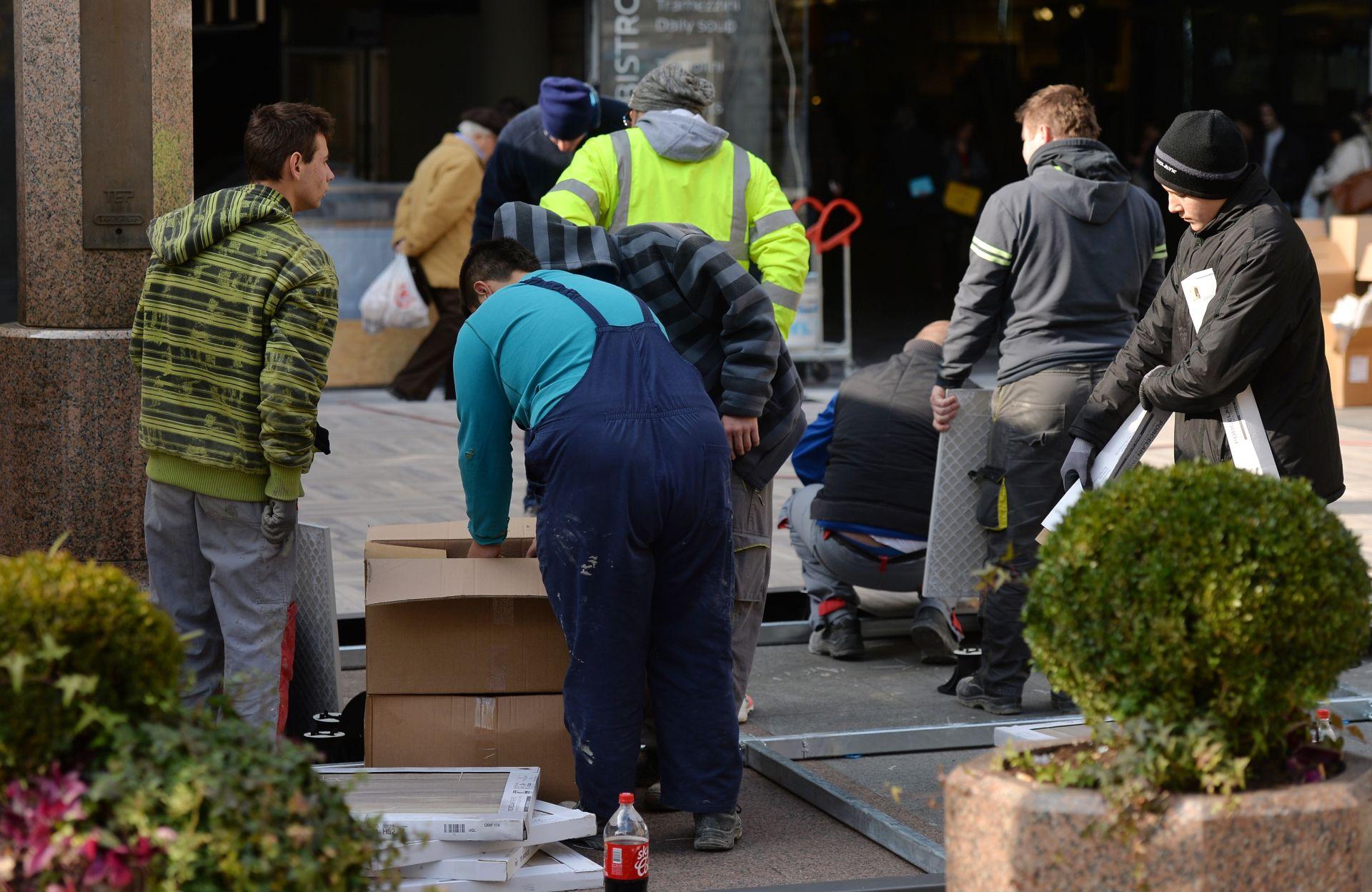 NOVA KONSTRUKCIJA: Na Cvjetnom trgu ponovno niče Horvatinčićeva terasa