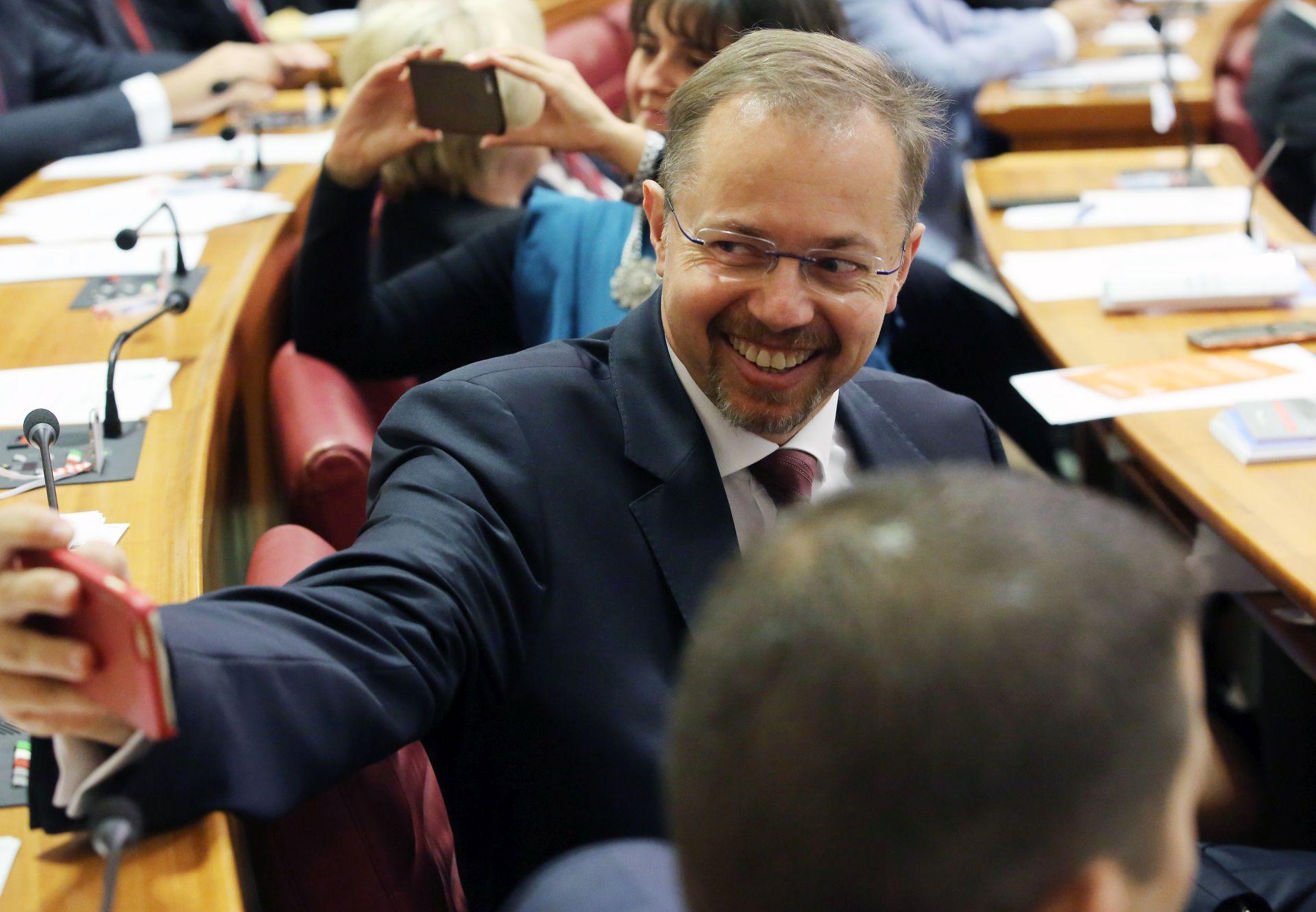 POVJERENSTVO: Krstičević, Varga i Božinović nisu u sukobu interesa