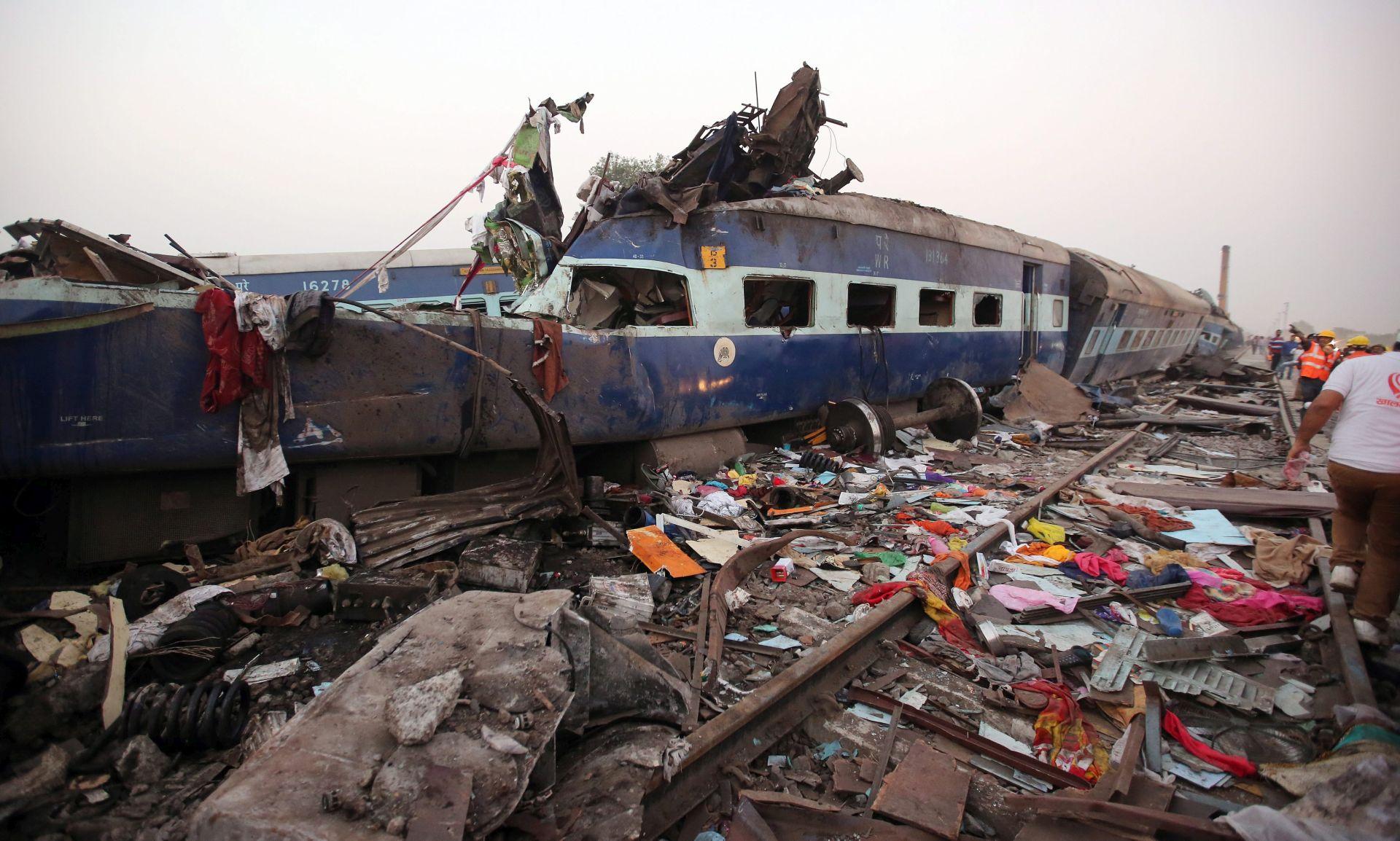 Broj poginulih u željezničkoj nesreći u Indiji porastao na 142