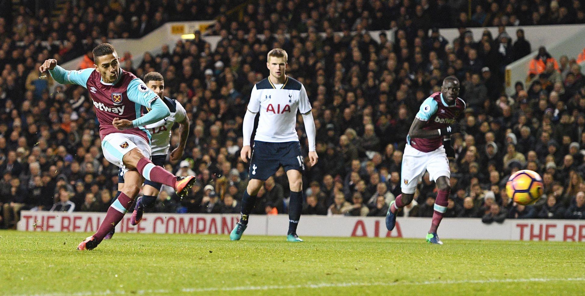 PREMIER LIGA: Kane u završnici potopio West Ham