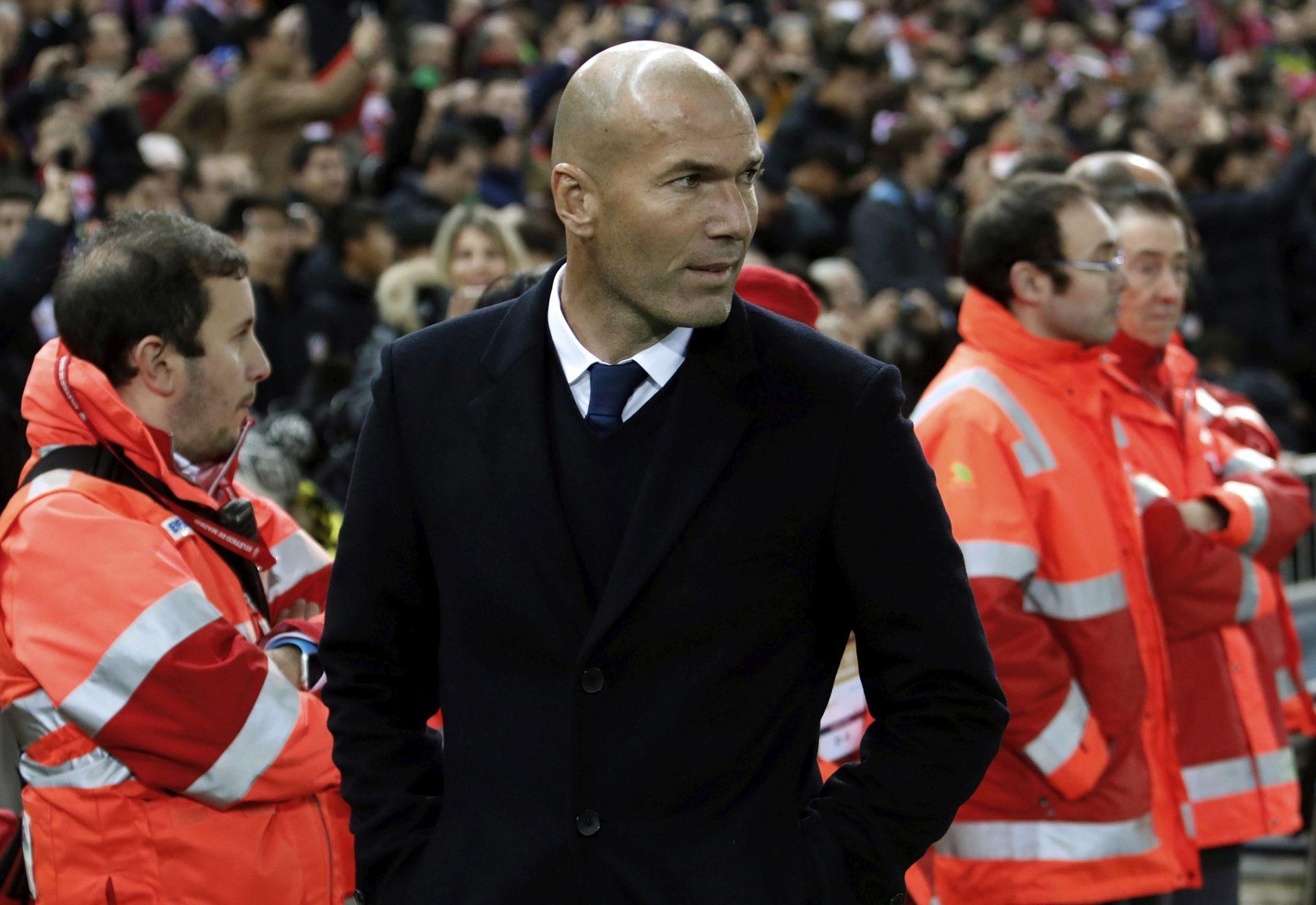 19 BODOVA IZA BARCELONE Zinedine Zidane ponudio ostavku