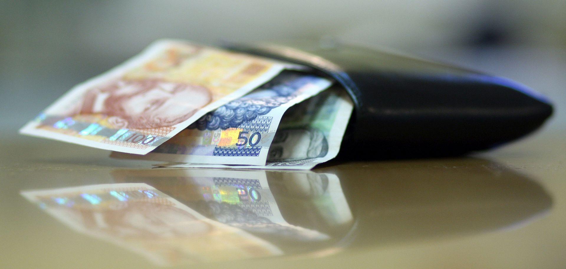 Prosječna neto plaća u travnju porasla na 6.220 kuna