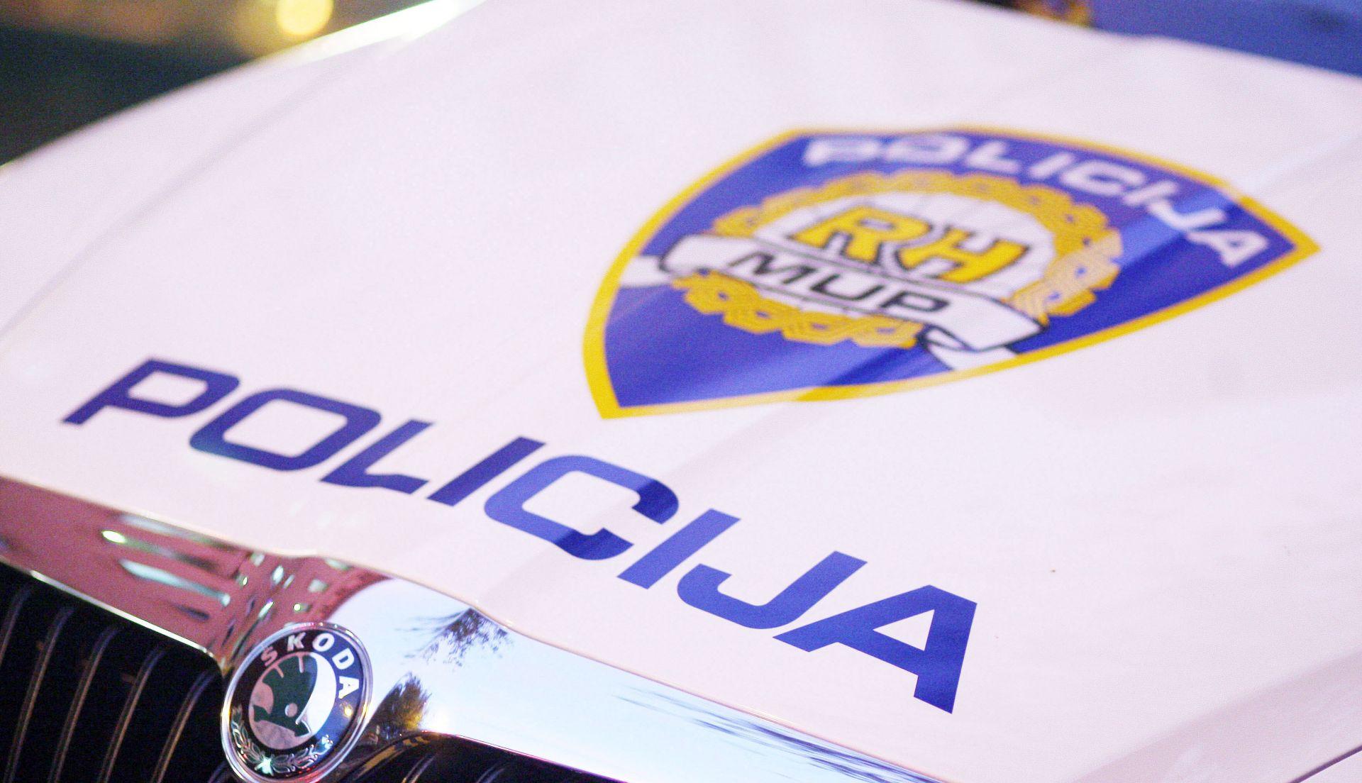 Vozač poginuo u izlijetanju s ceste nedaleko Pule