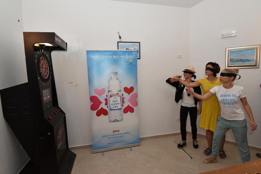 Otvaranje Kuće svjetla Udruge slijepih Istarske zupanije u selu Cukrici. Kristina Krepela, Mirna Medakovic, Ana Vilenica i Kristina Krepela