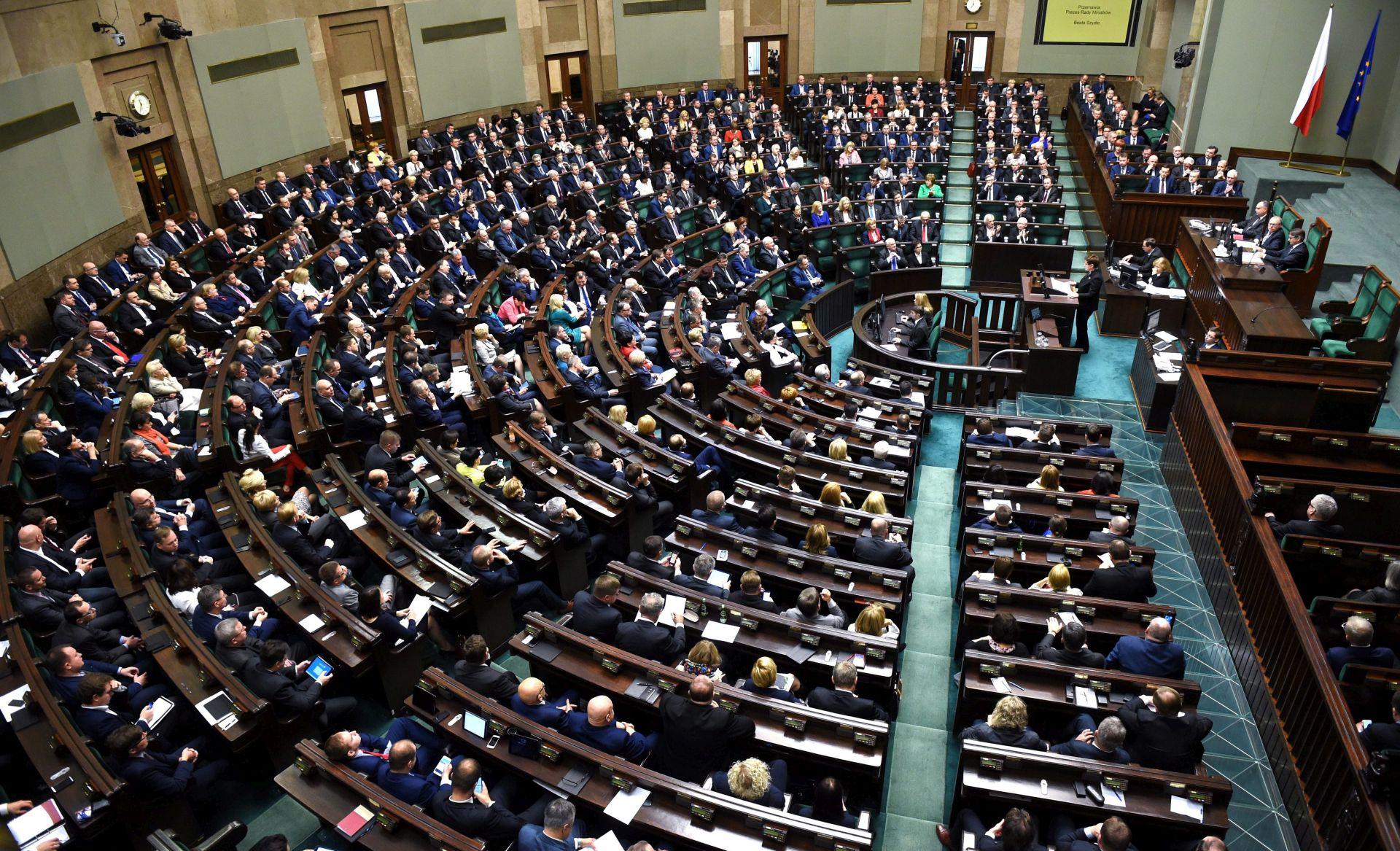 Poljska planira ograničiti pristup novinara parlamentu