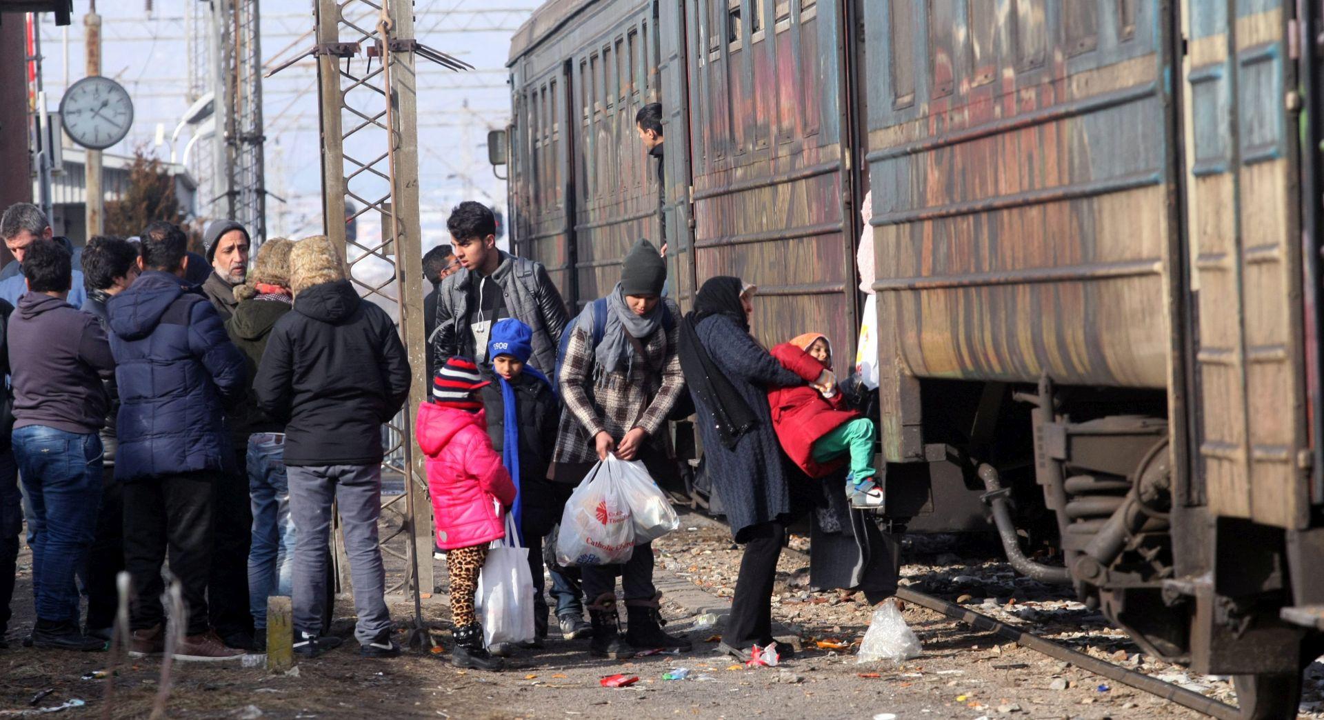 Dvoje migranta umrlo u Austriji skrivajući se u teretnom vlaku
