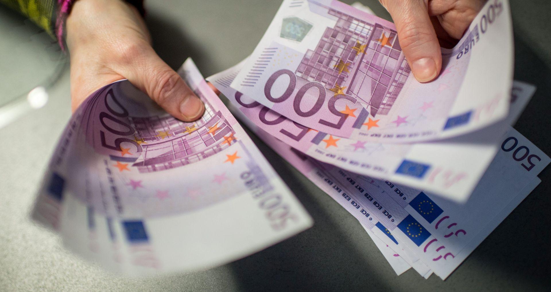 ZIMSKE EKONOMSKE PROCJENE EK Predviđa se rast gospodarstava svih država članica EU-a
