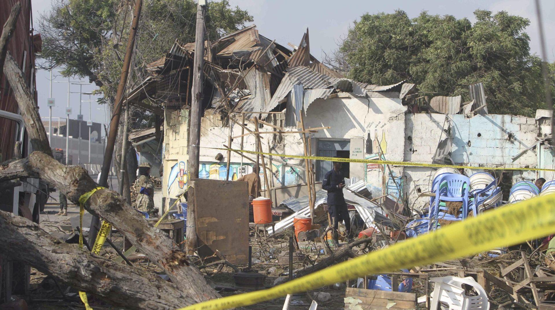 SOMALIJA Autom punim eksploziva zabio se u glavni ulaz luke, poginulo najmanje 20 ljudi