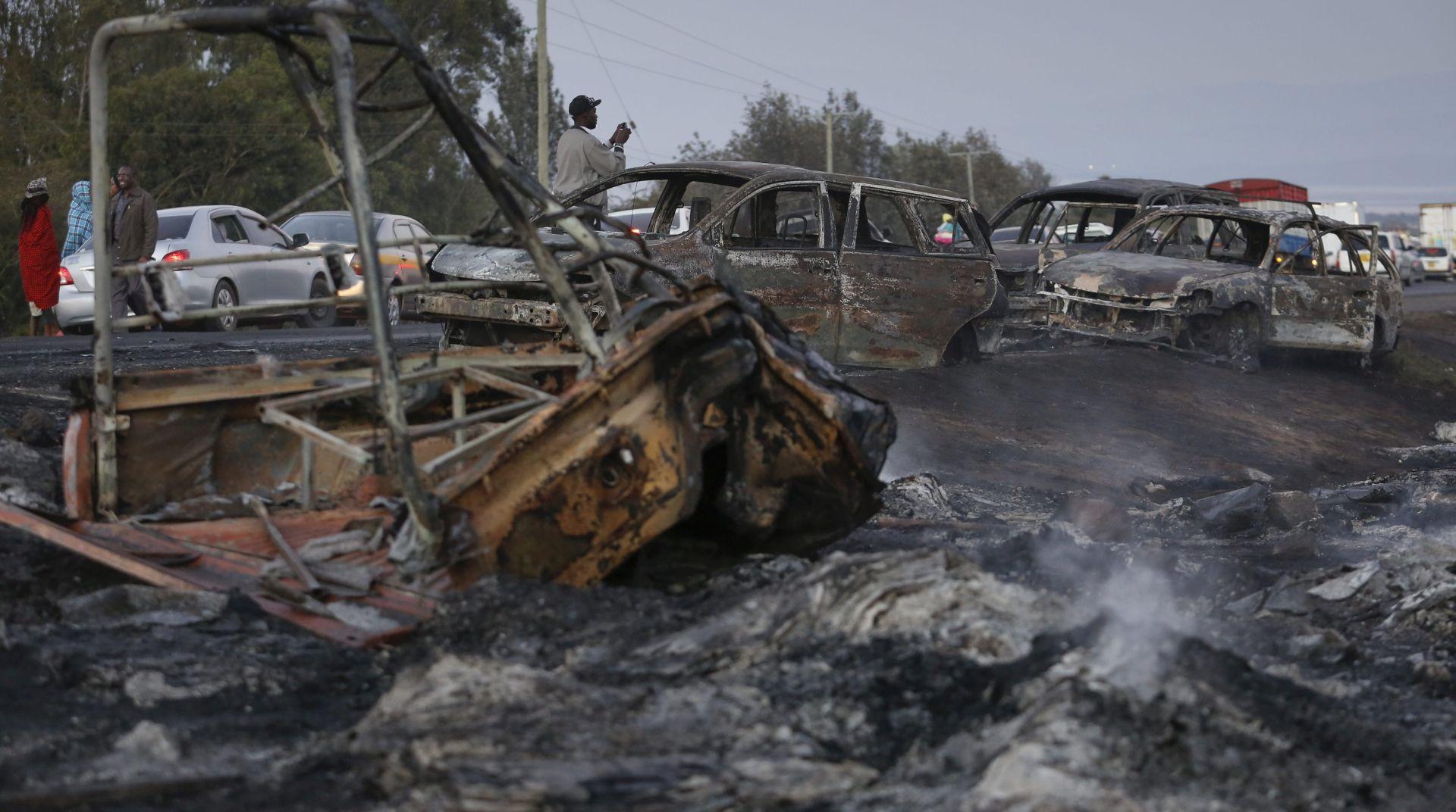 KENIJA Tanker se zabio u skupinu automobila i eksplodiralo, najmanje 33 mrtvih