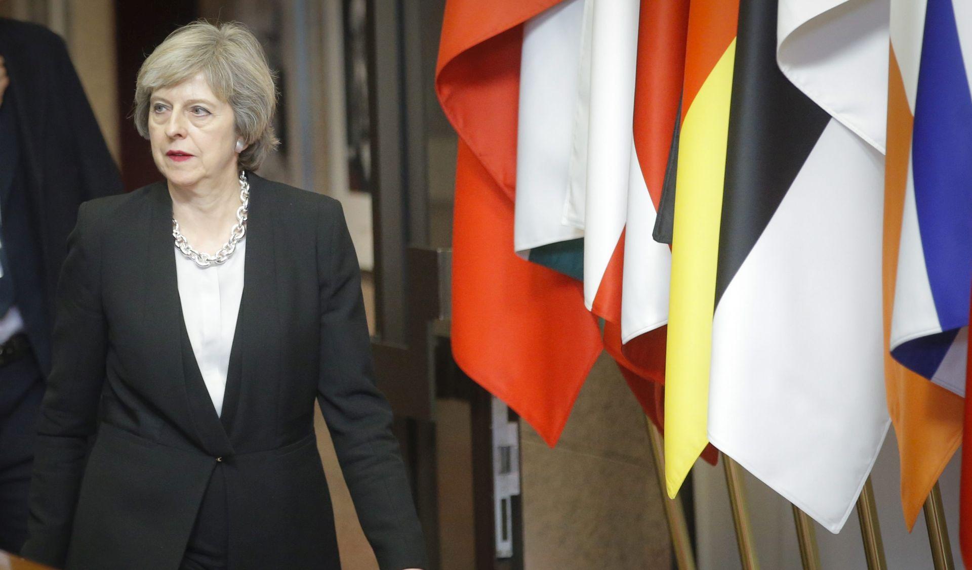 Britanija šalje više pomoći Alepu, krivi Asada i Rusiju za 'tragediju'