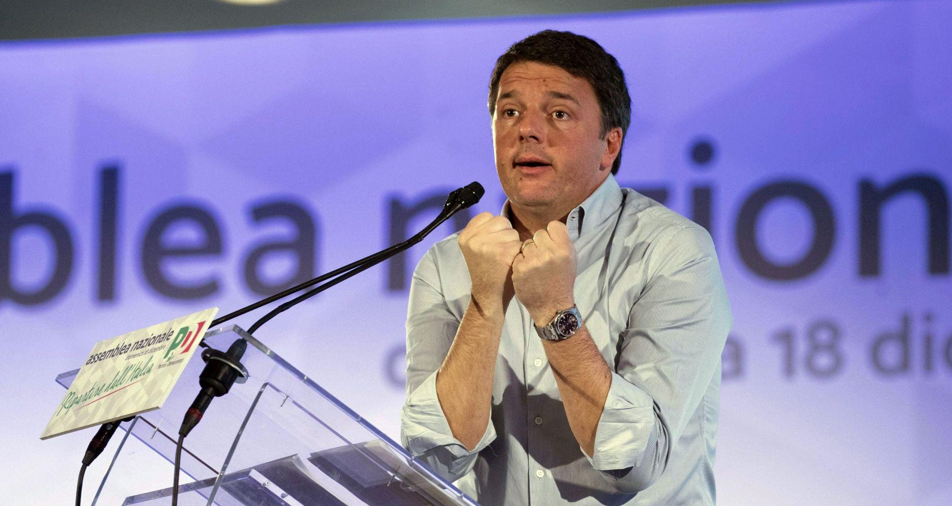 """Renzi kaže da je pogriješio kada je """"politizirao referendum"""""""