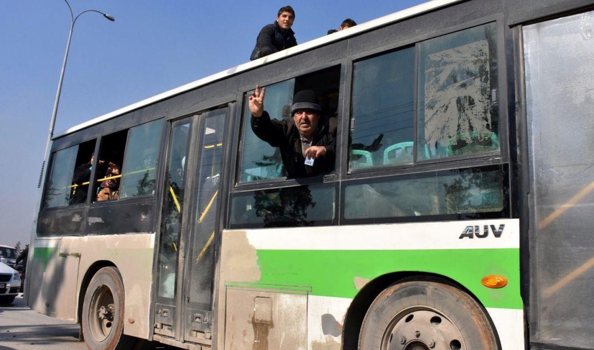 Sirijski pobunjenik kaže da je pad Alepa pod kontrolu Damaska 'veliki gubitak'