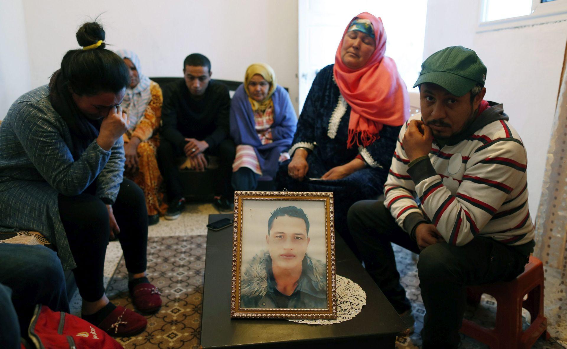 Njemačka policija misli da je osumnjičeni Anis Amri i dalje u Berlinu