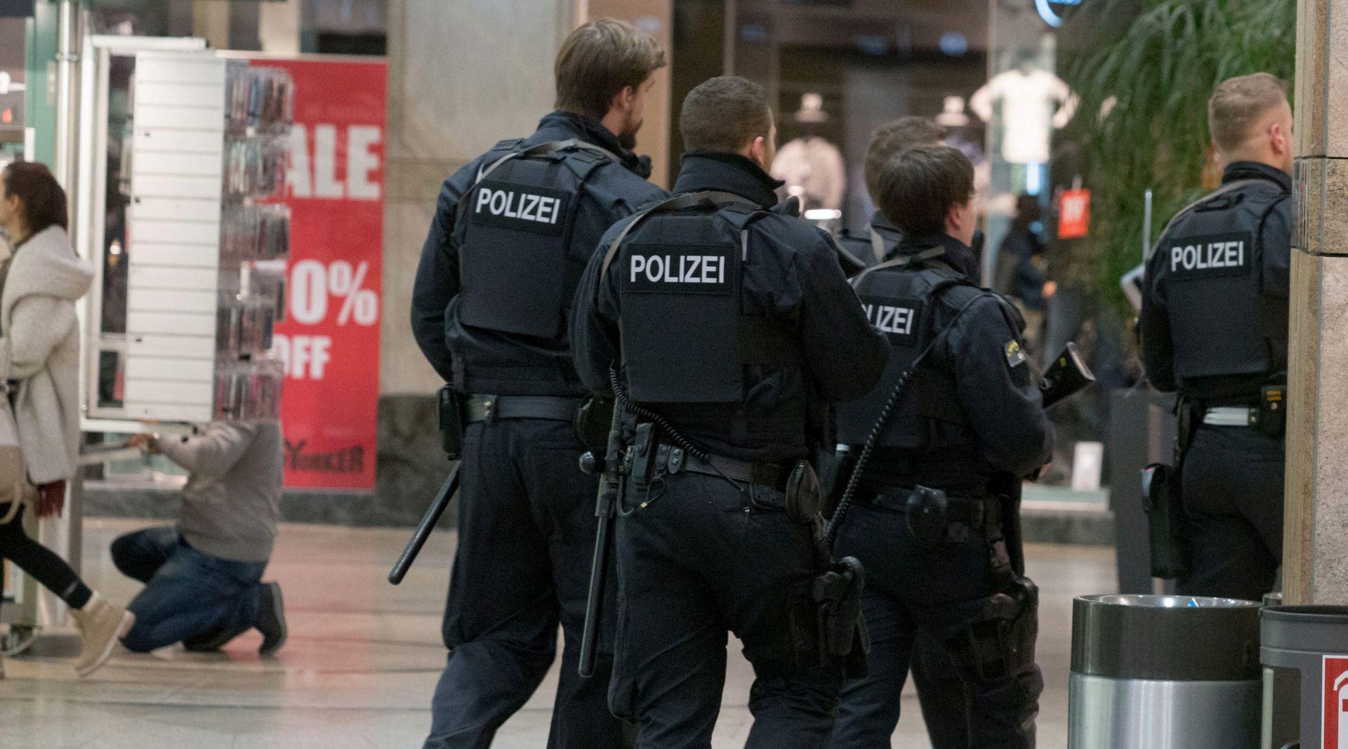 NJEMAČKA Uhićena braća s Kosova, planirali napad na veliki trgovački centar