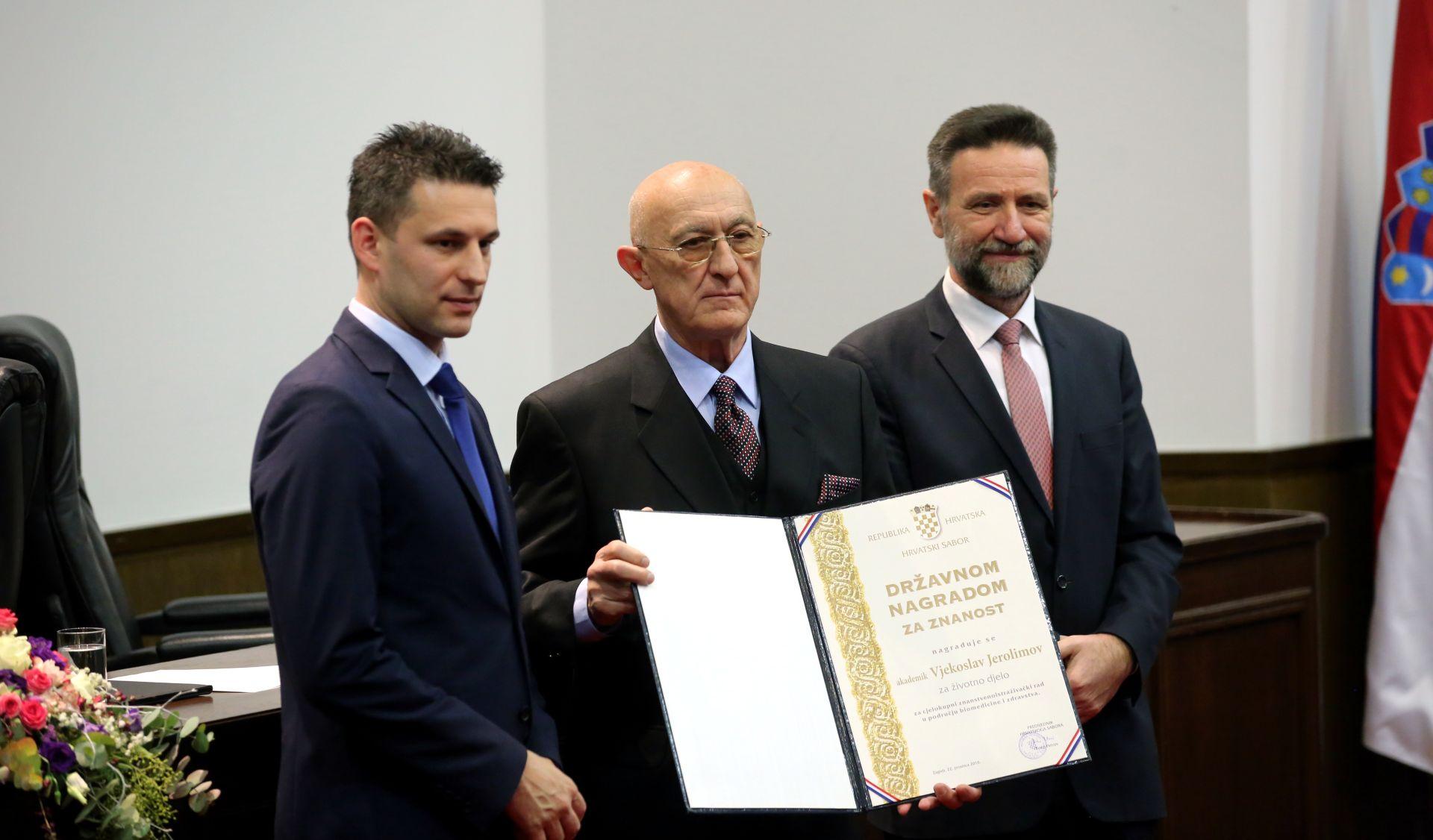 Uz uručenje Državnih nagrada za znanost za 2015. – veća pozornost mladim znanstvenicima