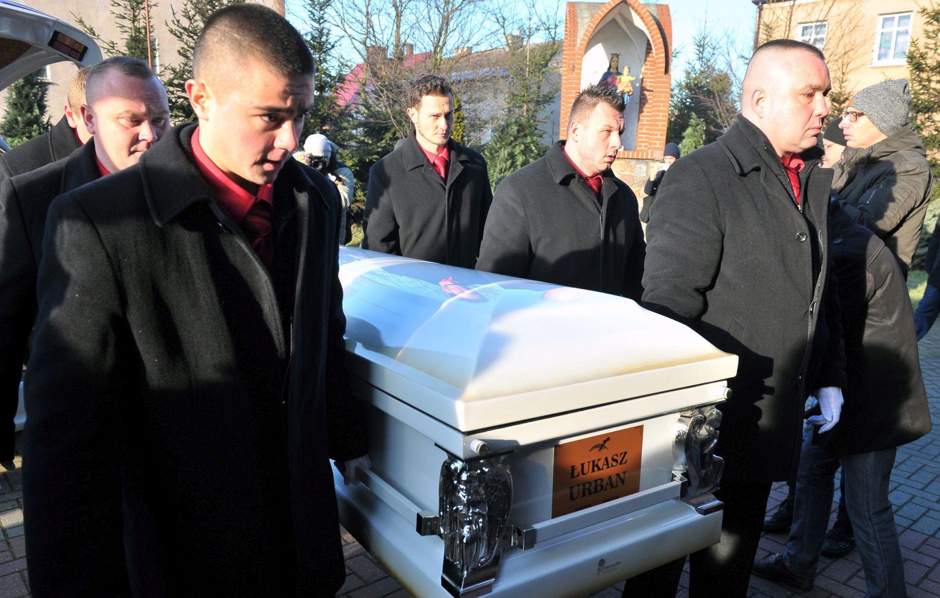 POLJSKA Pokopan Lukasz Urban, prva žrtva napada u Berlinu