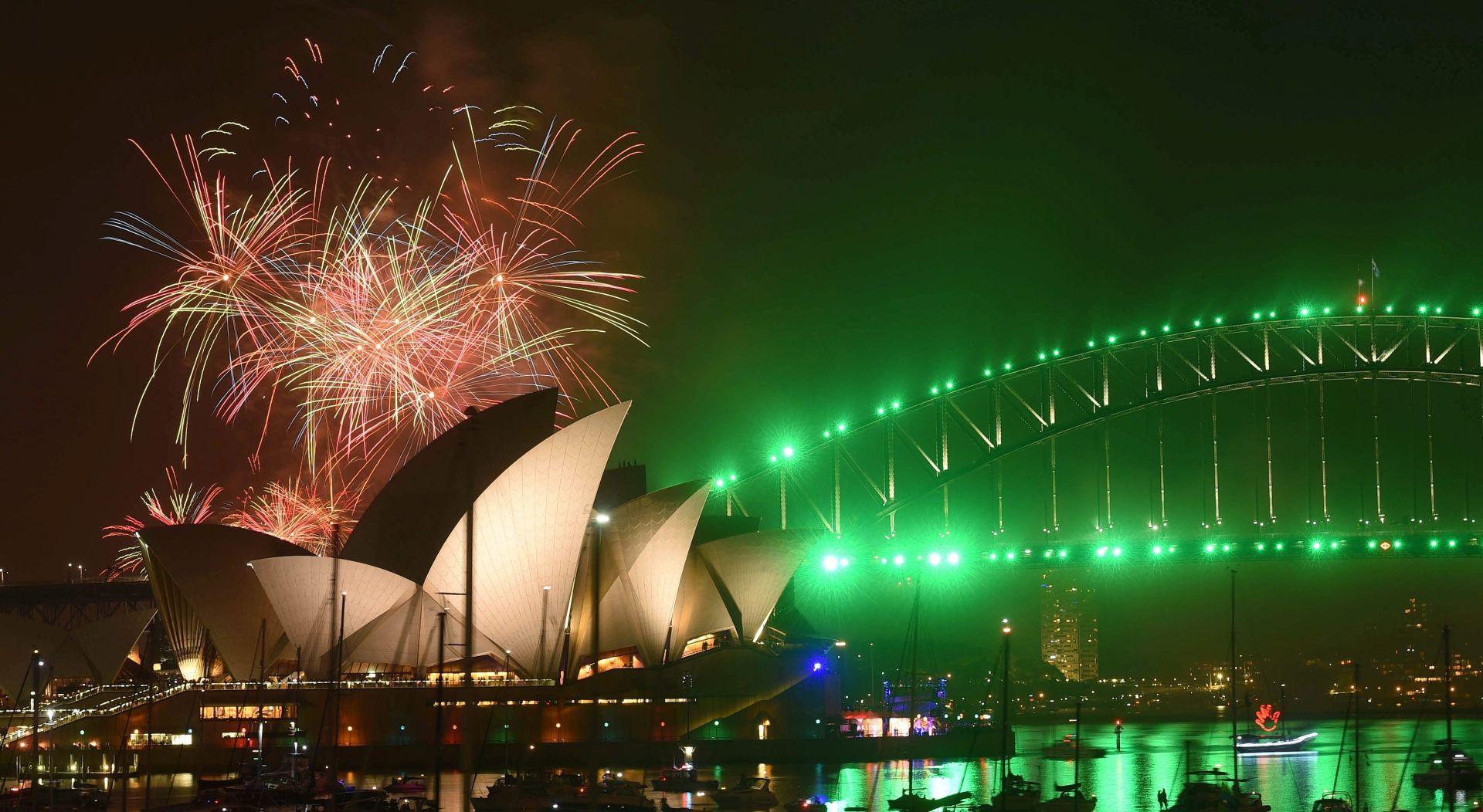 Raskošan vatromet u Sydneyu; mjere sigurnosti posvuda prate dolazak 2017.