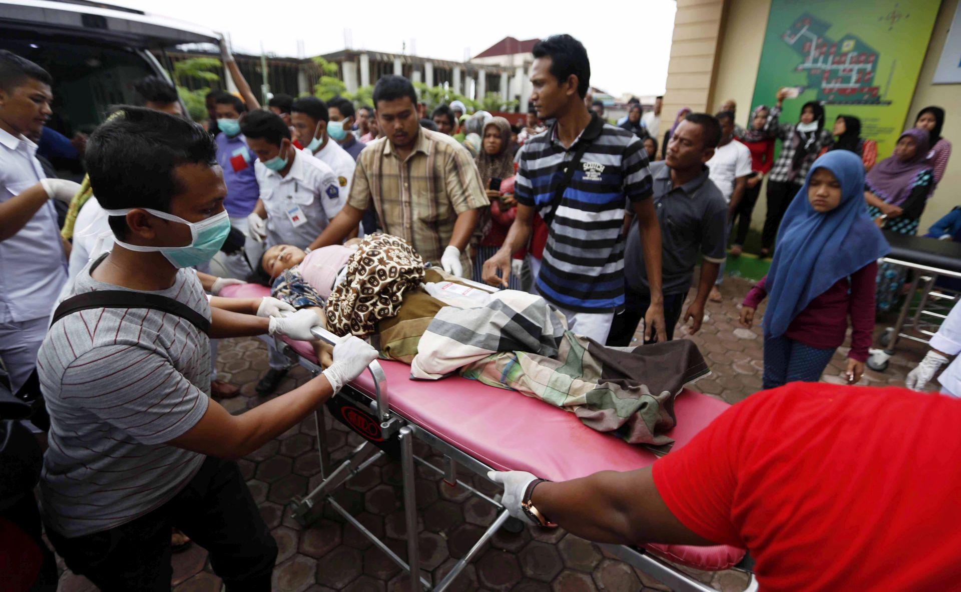 STOTINE RANJENIH: Hitan poziv za pomoć nakon potresa u Indoneziji