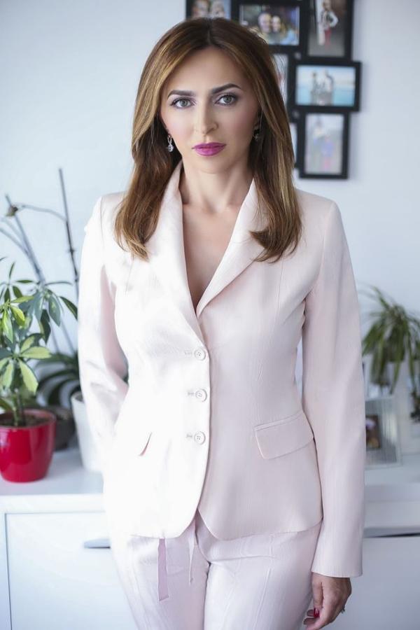 'Najčešće na zahvate dolaze osobe srednje dobi, poslovni ljudi koji si mogu priuštiti luksuz i dolazak na tretmane pomlađivanja', kaže Jelena Jakić