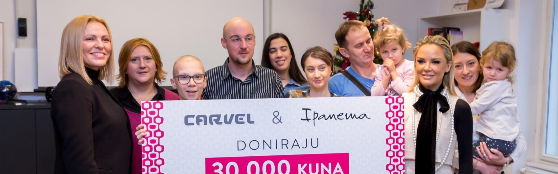 FOTO: Carvel i Maja Šuput uručili 30 tisuća kuna Udruzi Krijesnica