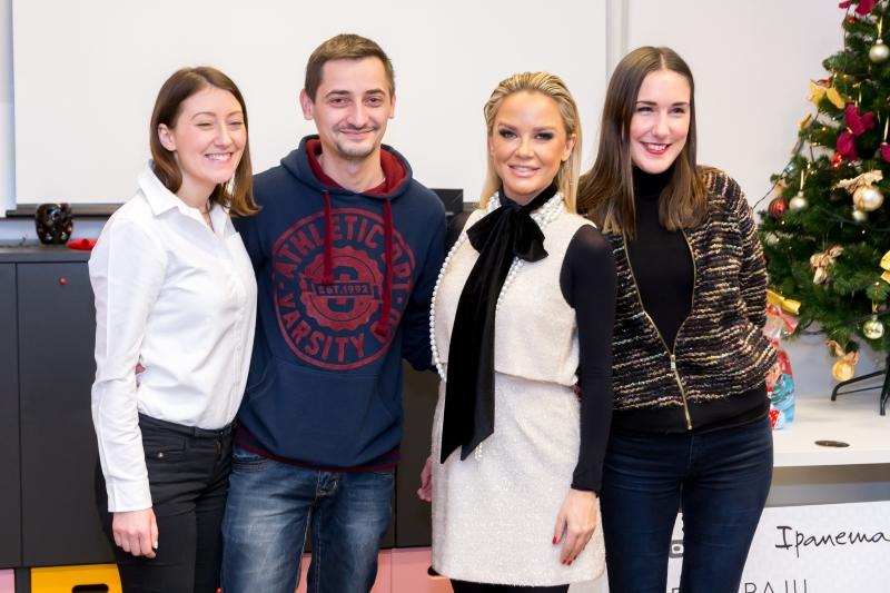 Maja Šuput i djelatnici Udruge Krijesnica