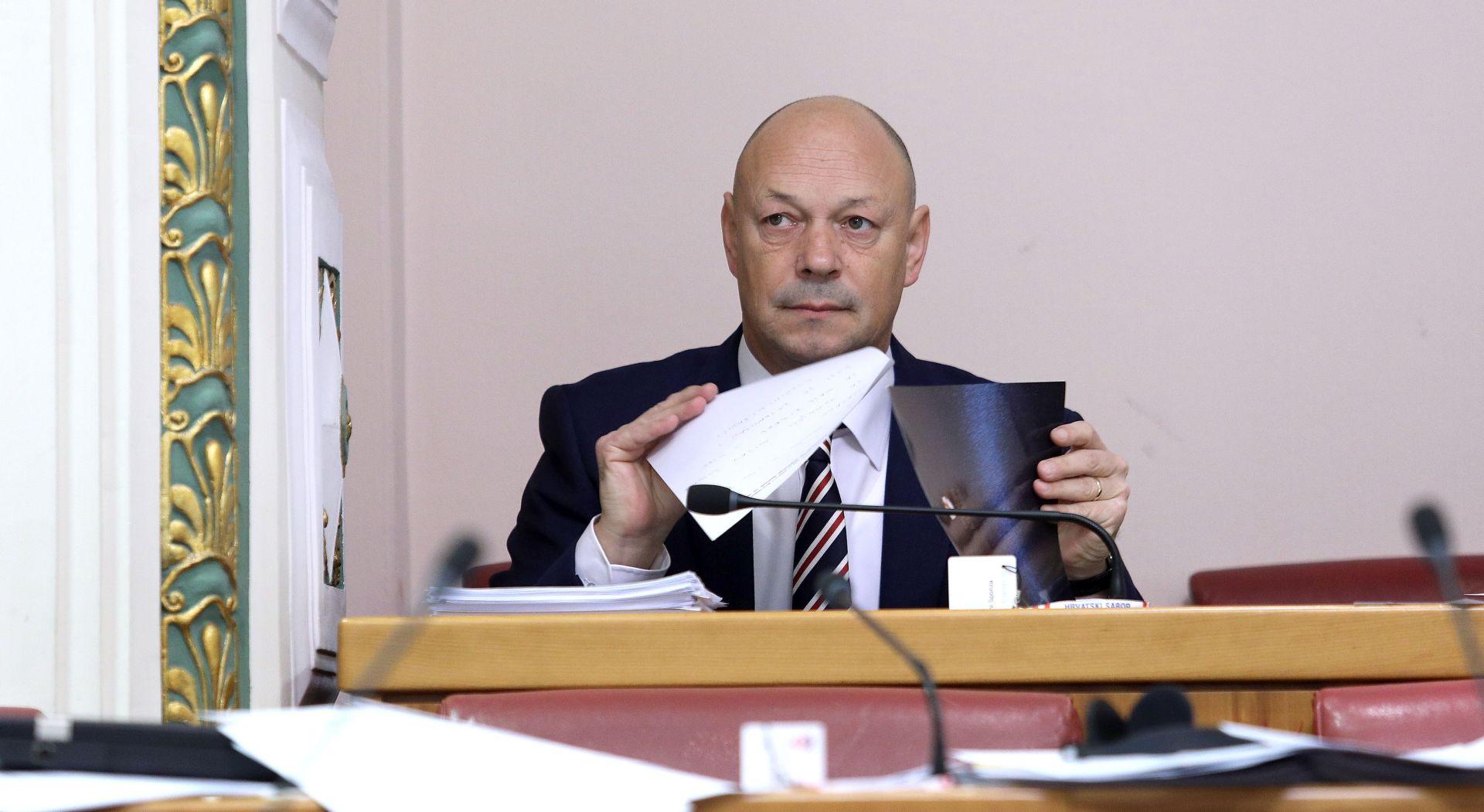 Sponza (IDS) pozvao Petrova da iskoristiti autoritet za uklanjanje ploče u Jasenovcu
