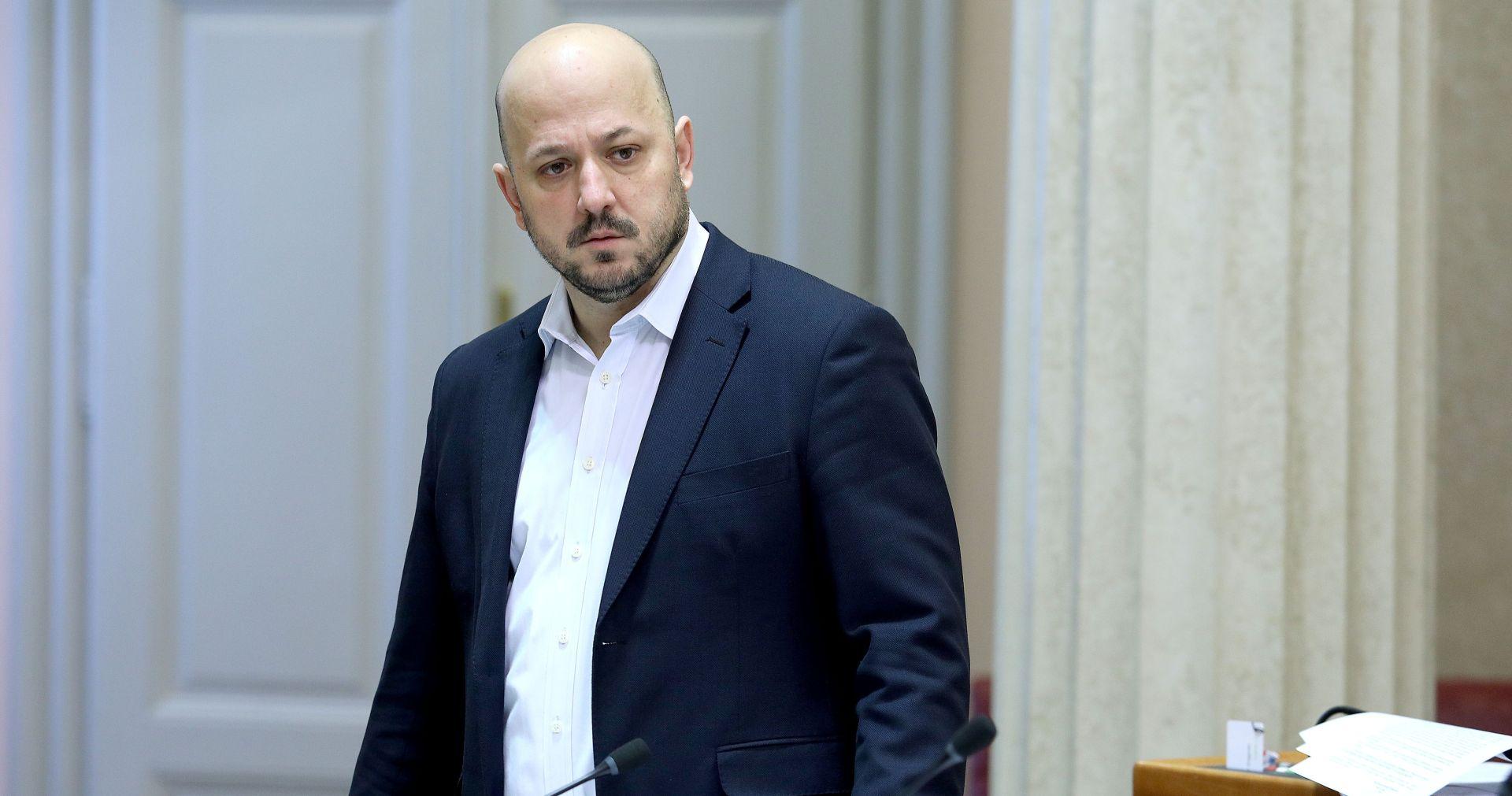 """MARAS NA FACEBOOKU """"Plenković je vjerojatno prekršio Zakon o preuzimanju dioničkih društava"""""""
