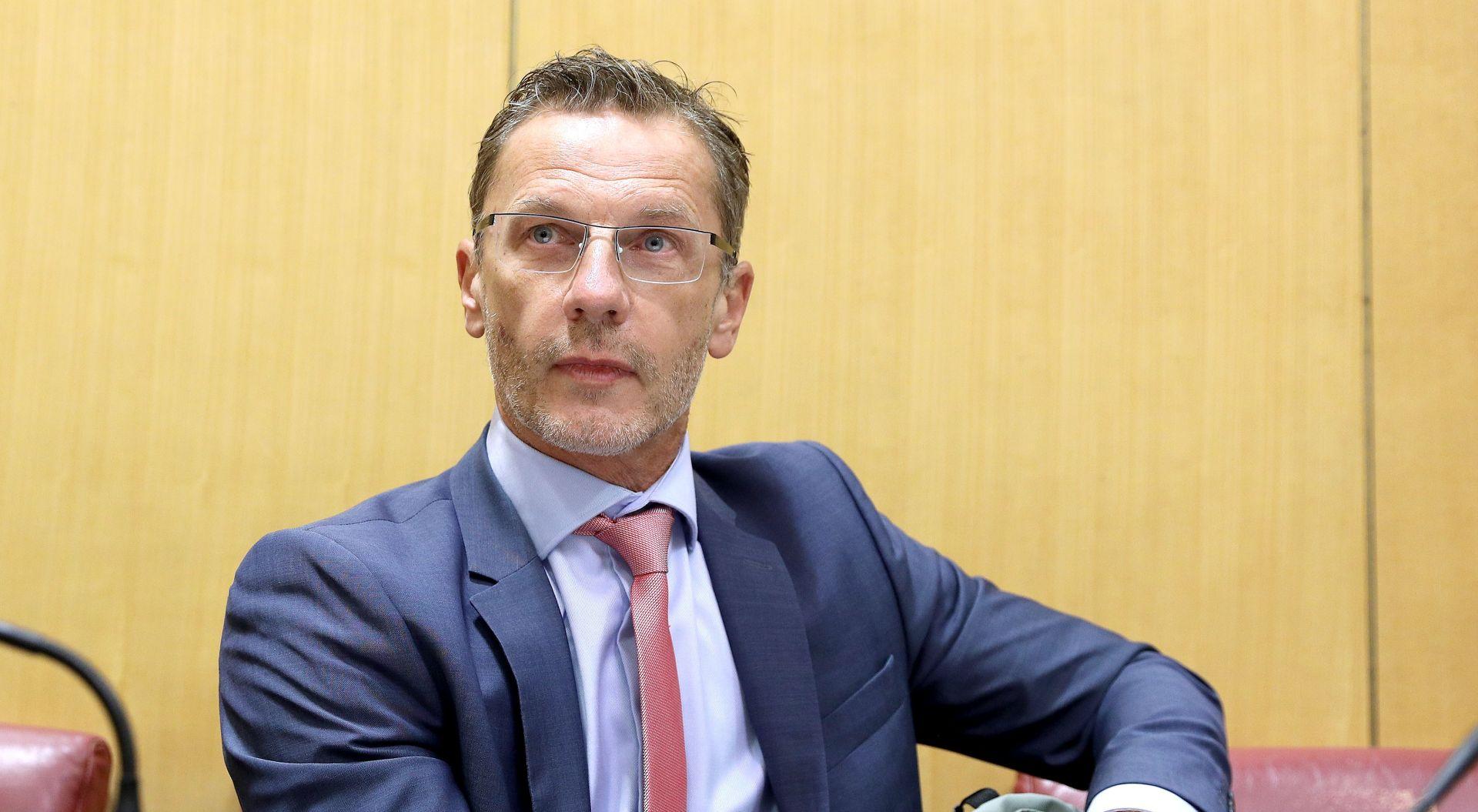 """VUJČIĆ """"Era niskih kamata, pa i na kredite u eurima, je pri kraju"""""""