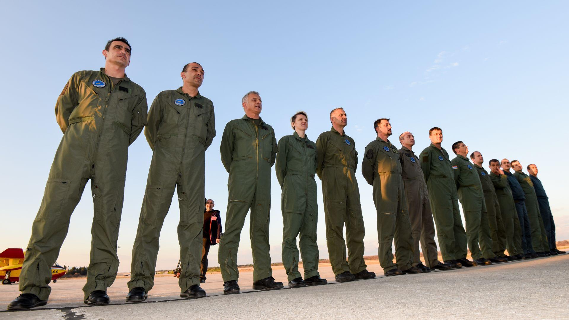 Posade kanadera koje su gasile požare u Izraelu vratile se u Zemunik