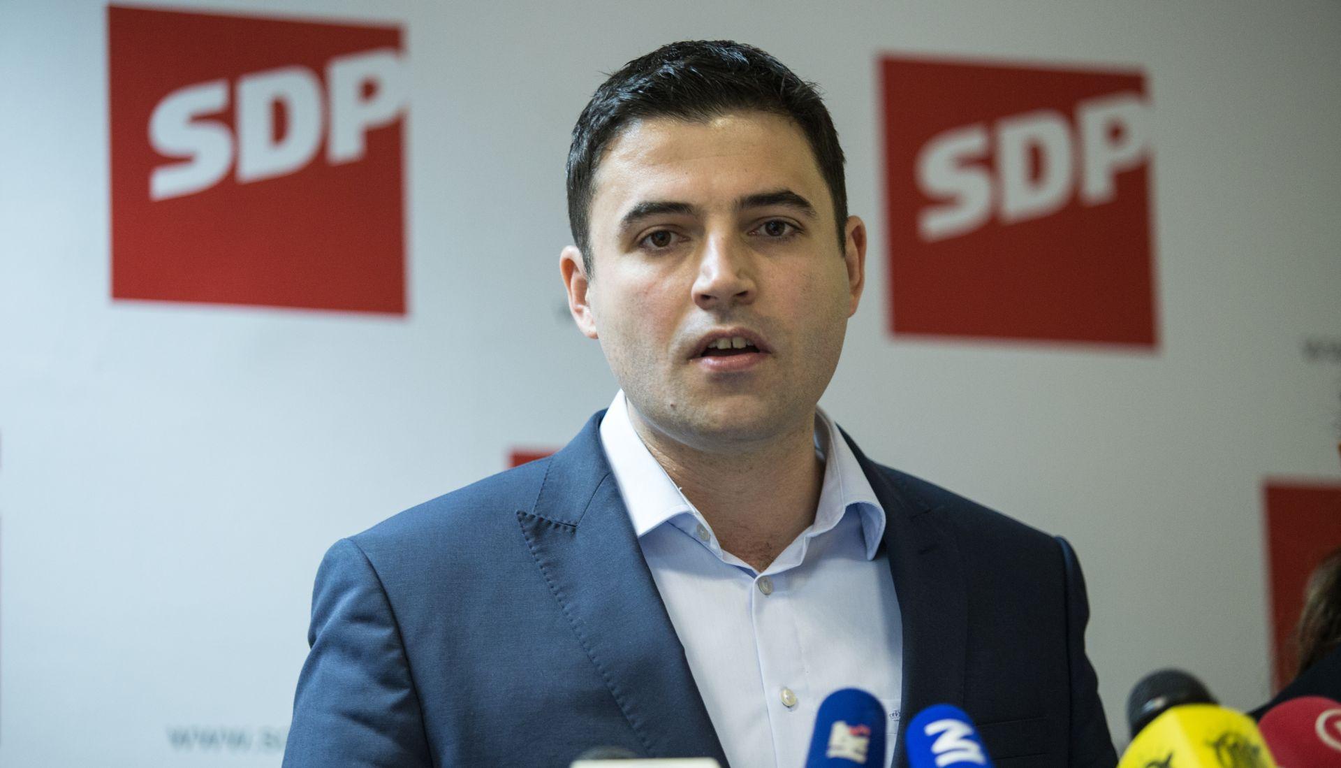 Bernardić: Nitko ne bi trebao raditi za manje od 3000 kuna mjesečno