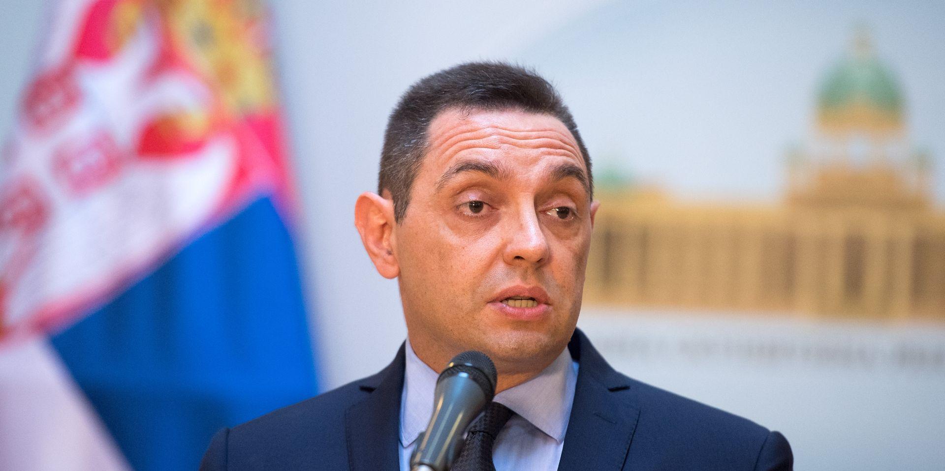 """Aleksandar Vulin pozvao EU da reagira na """"bujanja fašizma"""" u Hrvatskoj"""