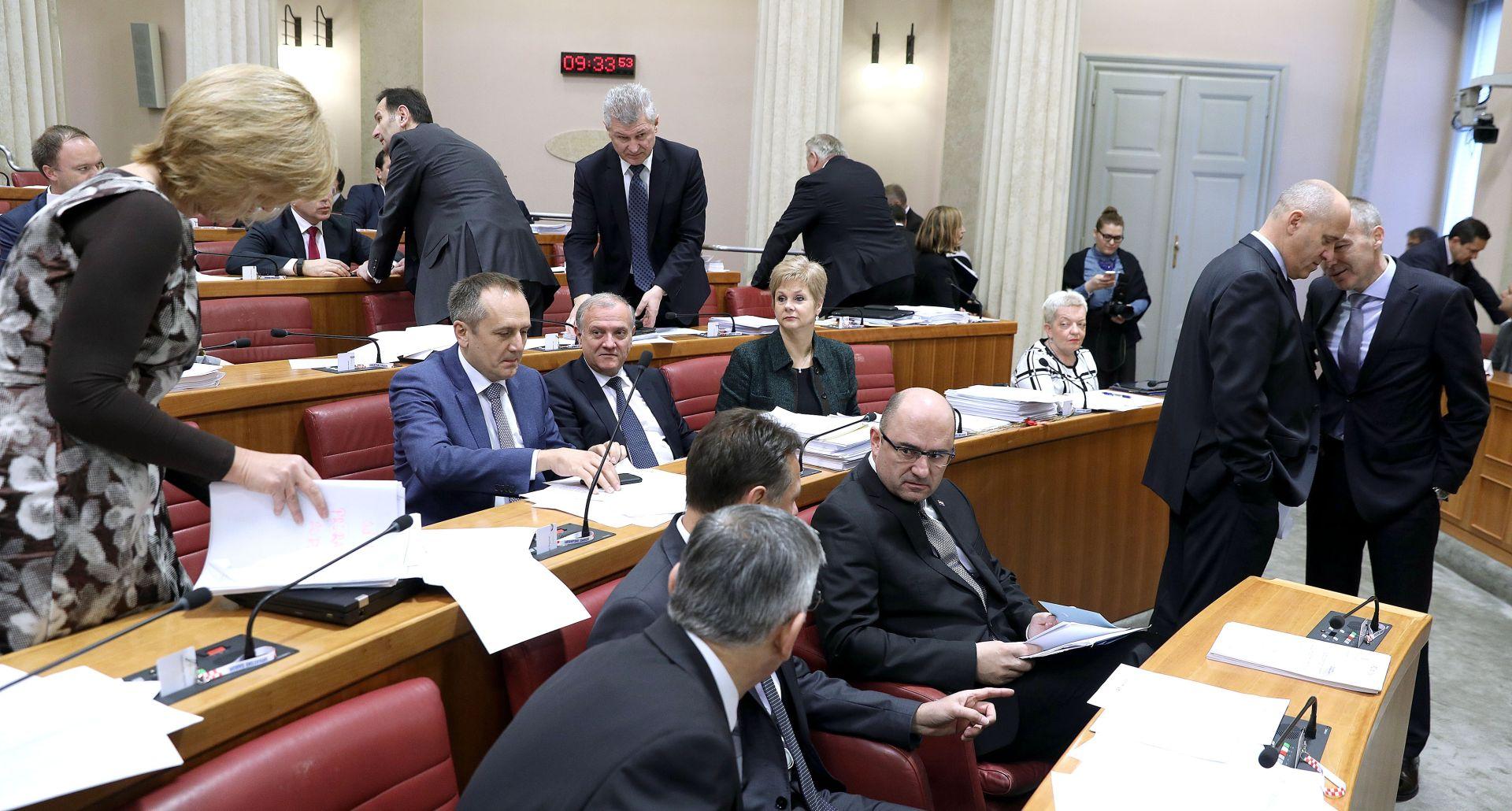 TRAJALA DO IZA PONOĆI Nakon 14 sati u Saboru završena rasprava o proračunu za 2017. godinu