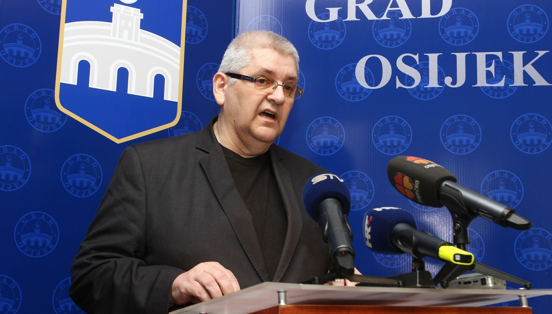 """ANTO ĐAPIĆ """"Postavit ćemo još ploča diljem Hrvatske s istom oznakom udruge"""""""