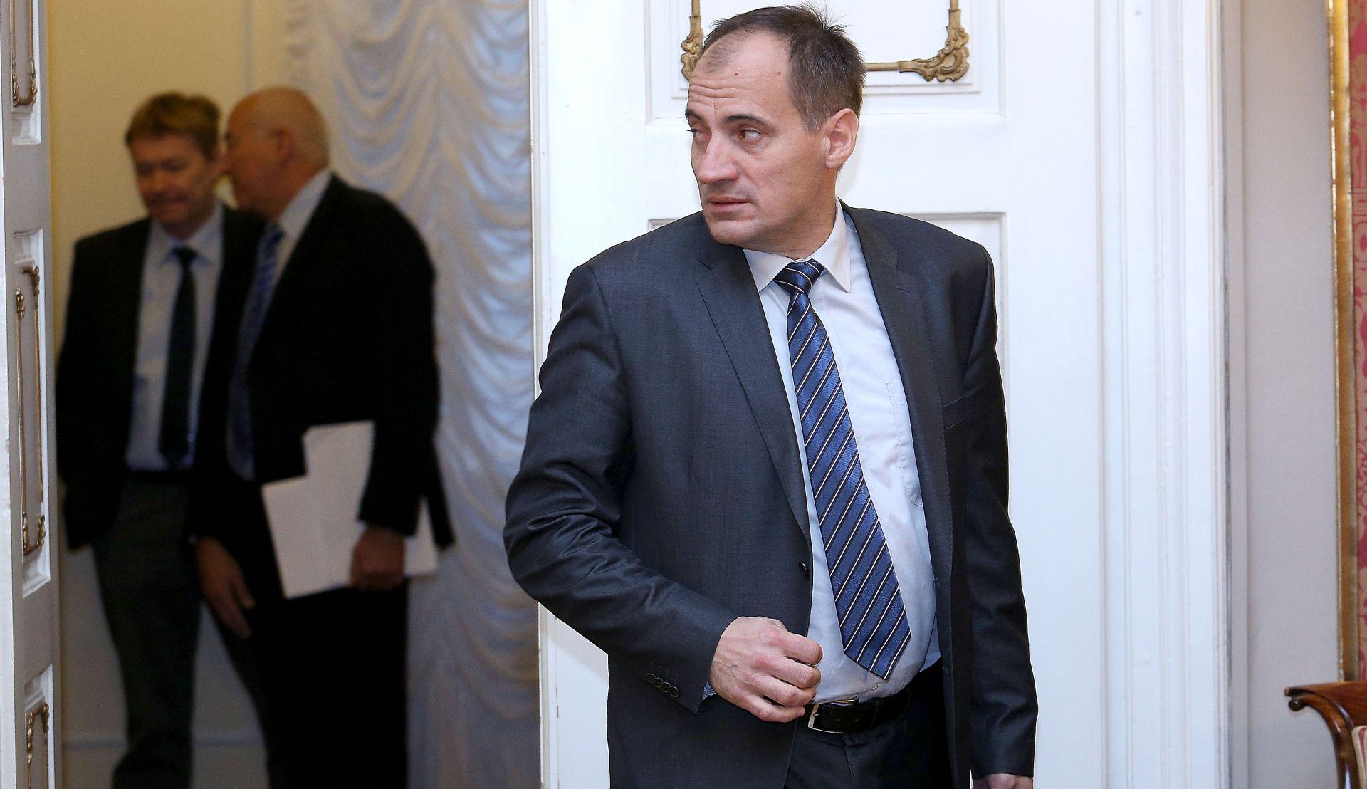 DOBROVIĆ 'Razdjelnici su primjer neodgovorne politike Milanovićeve Vlade'