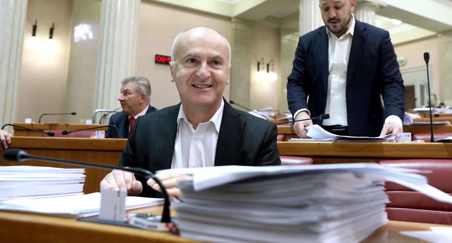 Matić odustao od amandmana da se sredstva povećaju Ministarstvu branitelja, a smanje Ministarstvu demografije
