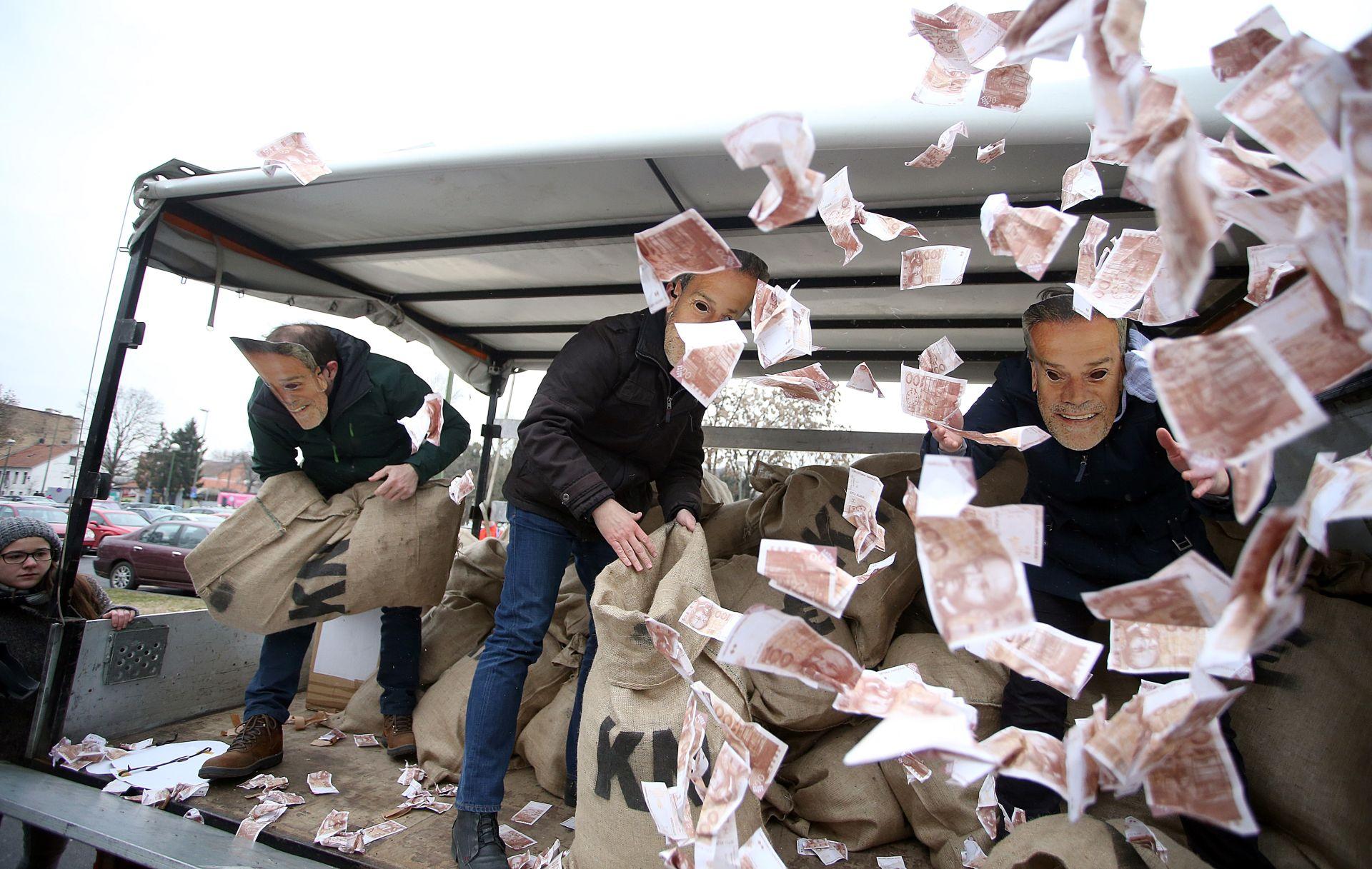 FOTO: Pod Bandićevim maskama bacali lažne novčanice
