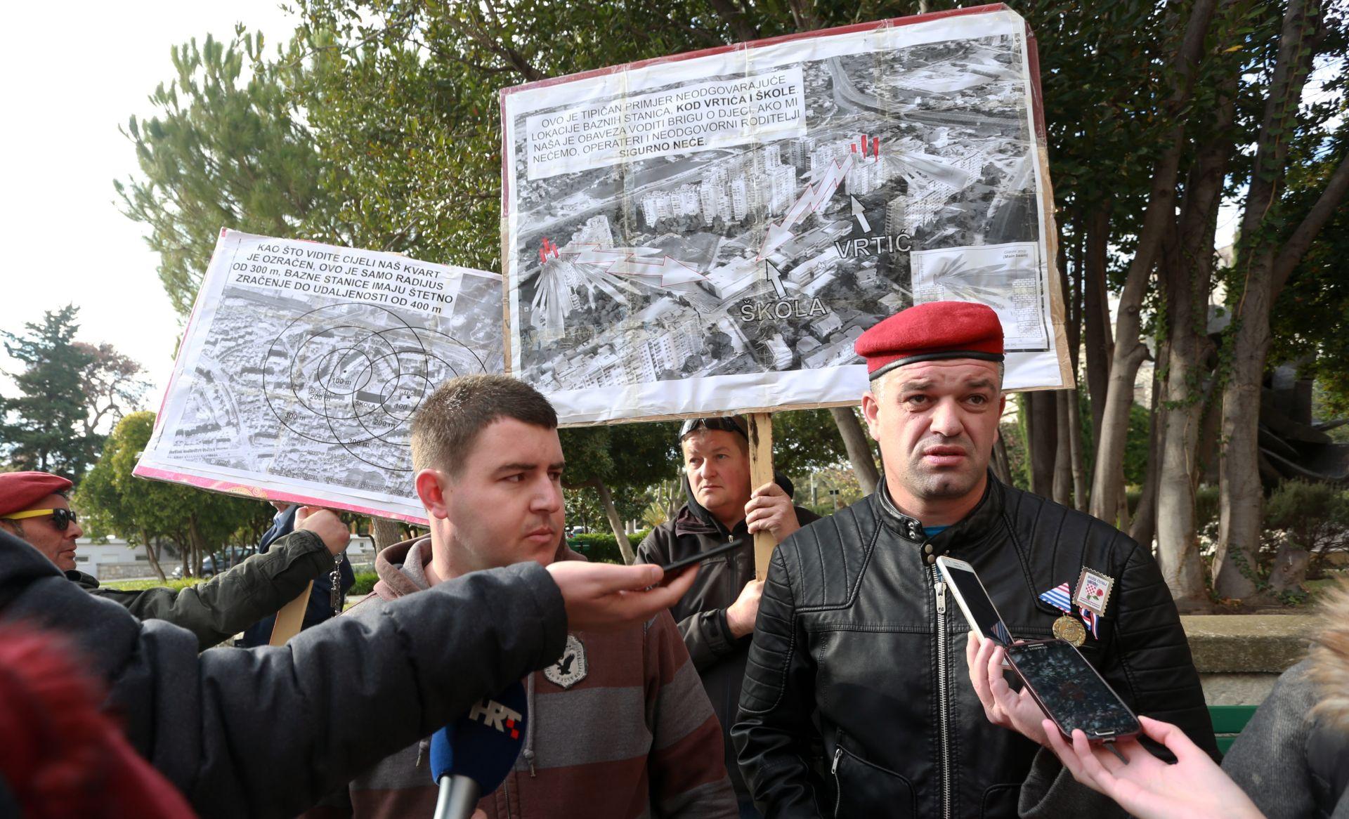 Mještani splitskih Pujanki prosvjeduju zbog bazne stanice Tele2