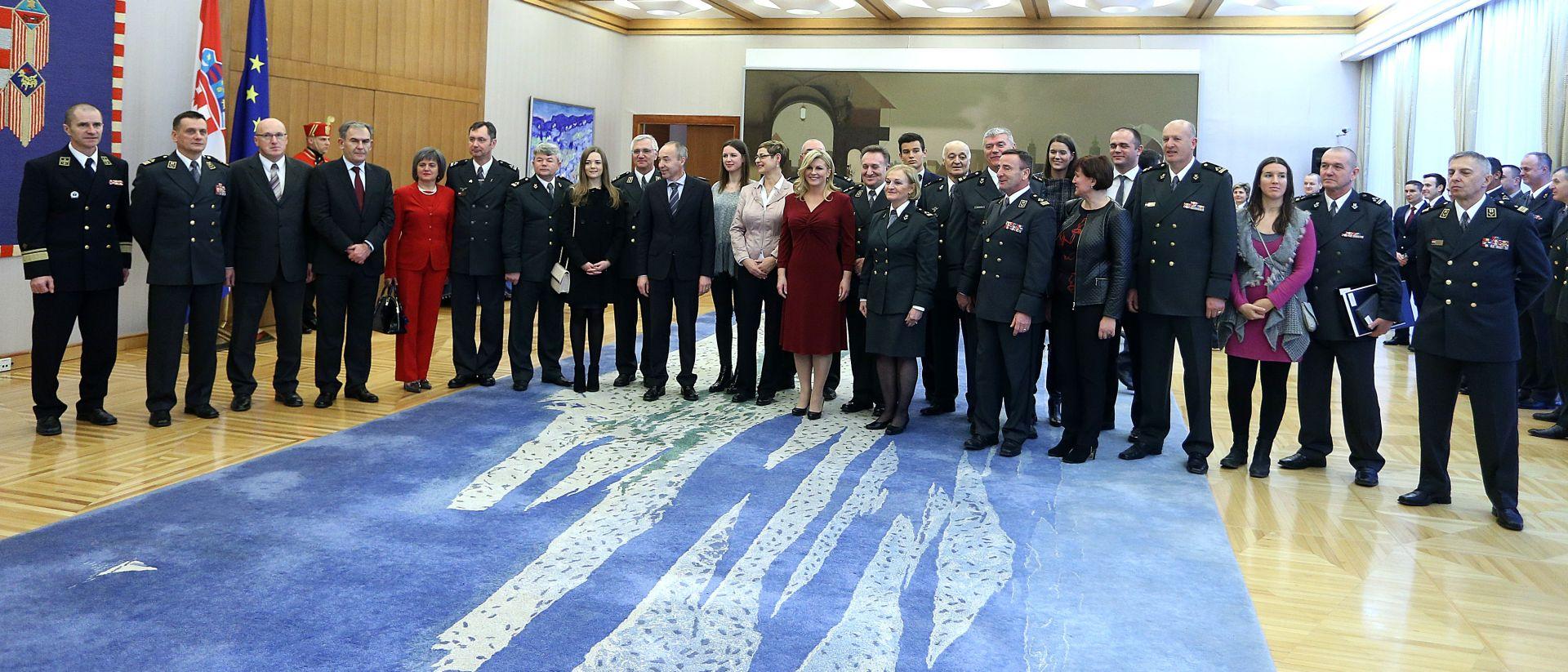 Predsjednica Grabar-Kitarović priredila prijem za umirovljene generale i brigadire