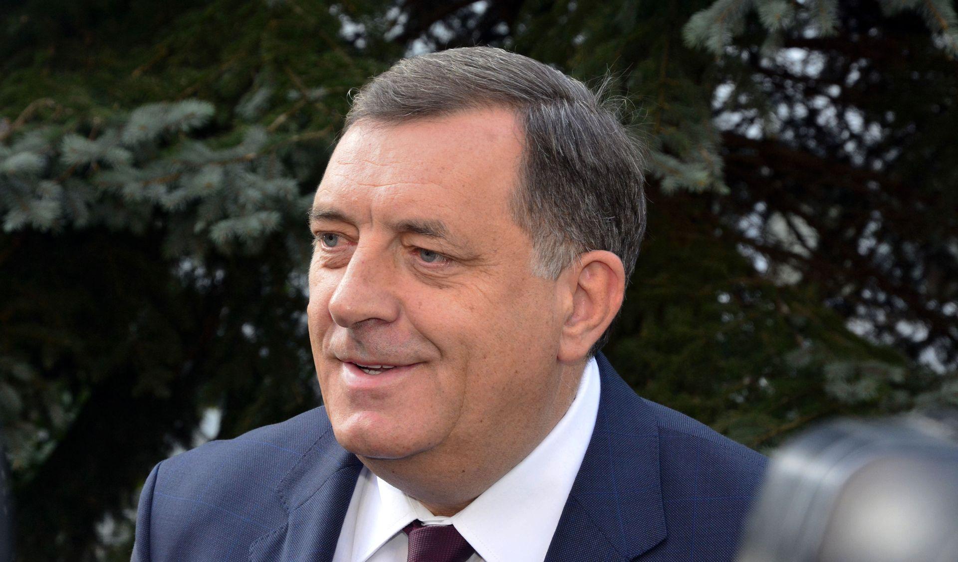Dodik došao u Sarajevo tražiti vizu nakon što ga je kritiziralo veleposlanstvo SAD-a