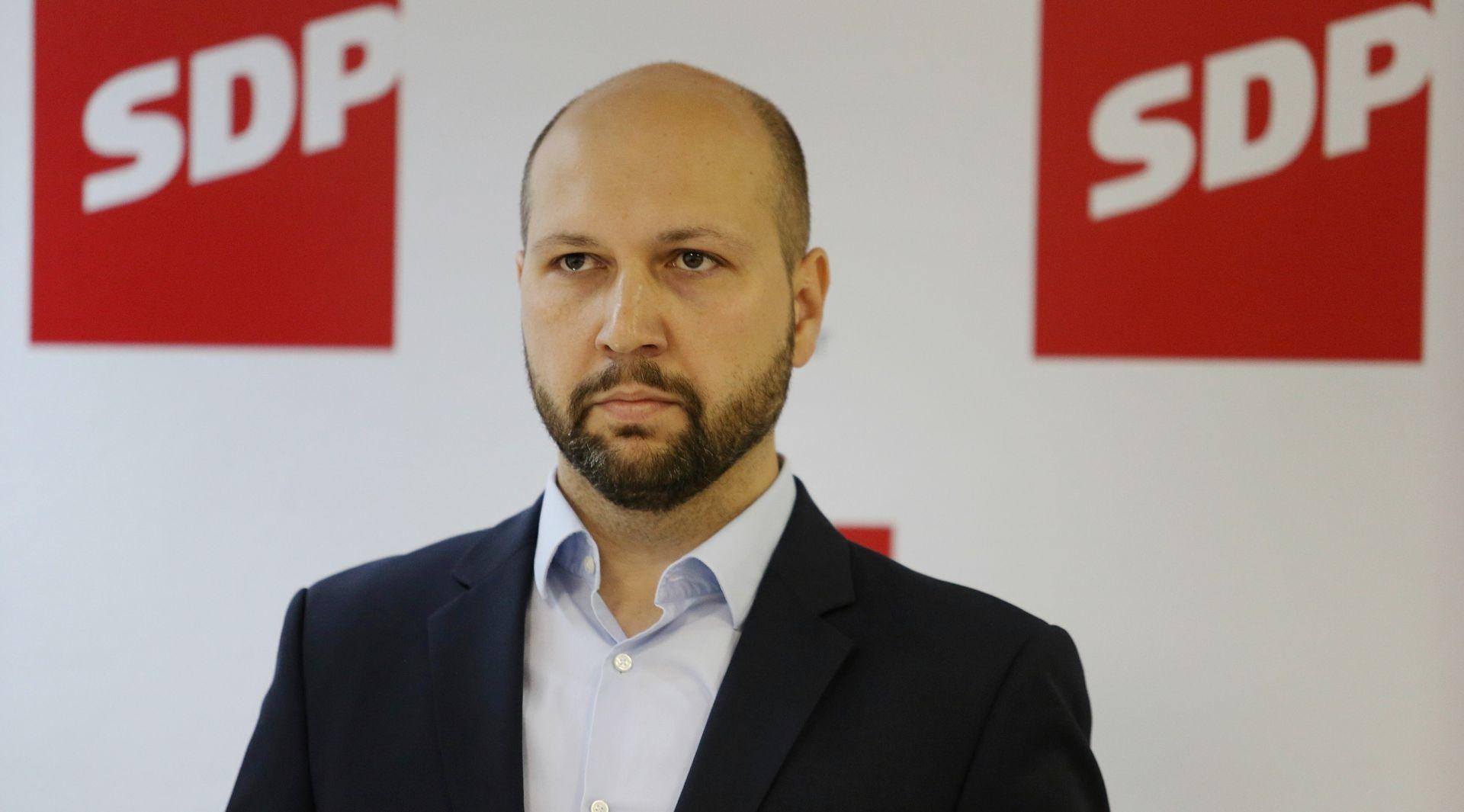 ZMAJLOVIĆ 'Treba konačno maknuti Bandića iz Zagreba, a jedino ujedinjena ljevica to može'