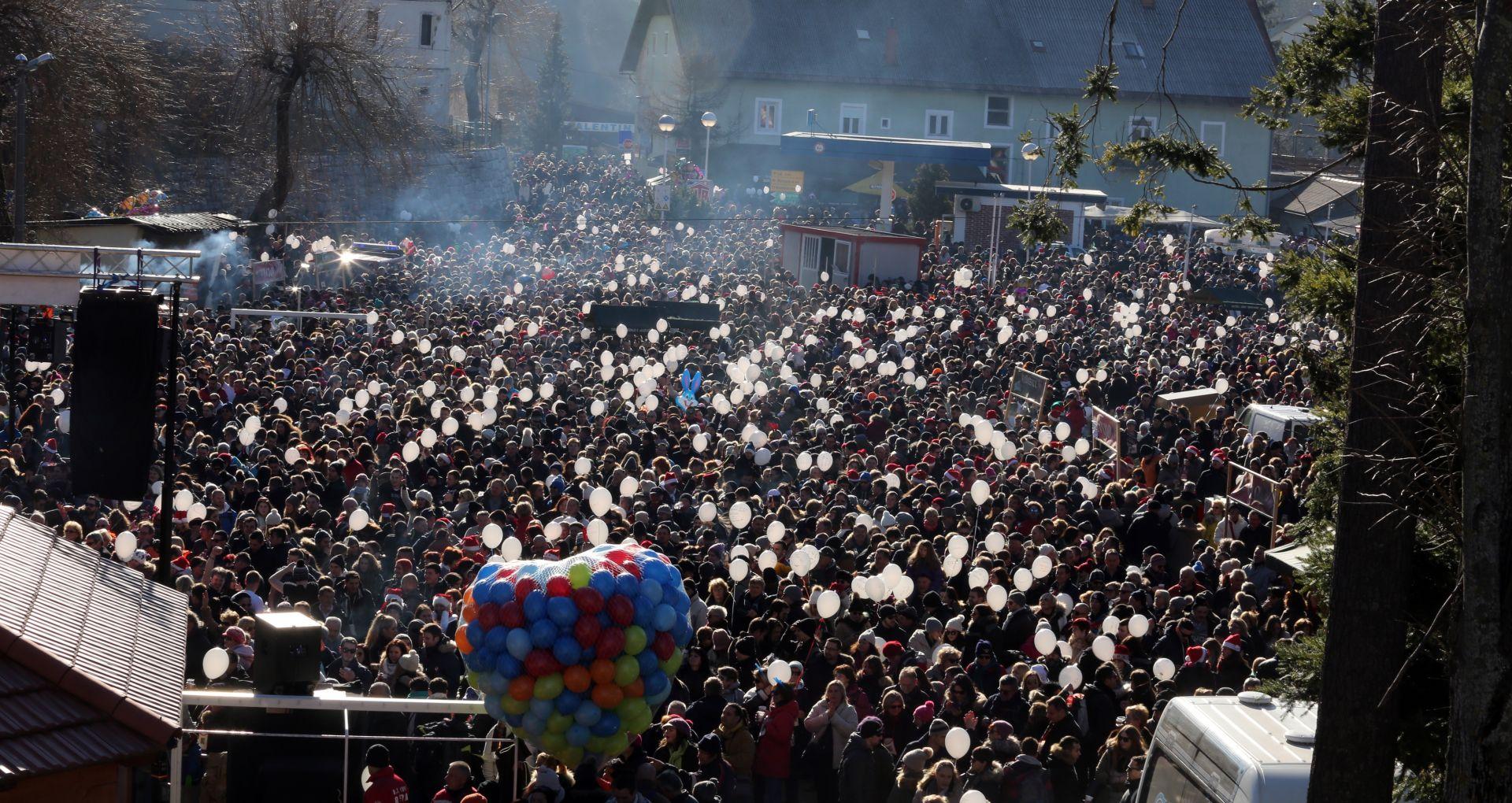 Na podnevnom ispraćaju Stare godine u Fužinama više od 10.000 Fužinaraca i gostiju
