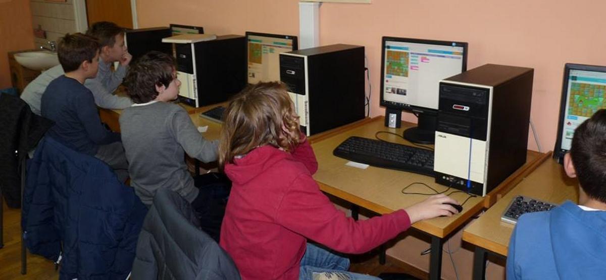 FOTO: Iva Šulentić sudjelovala u programerskoj radionici u sklopu tjedna 'Sat kodiranja'