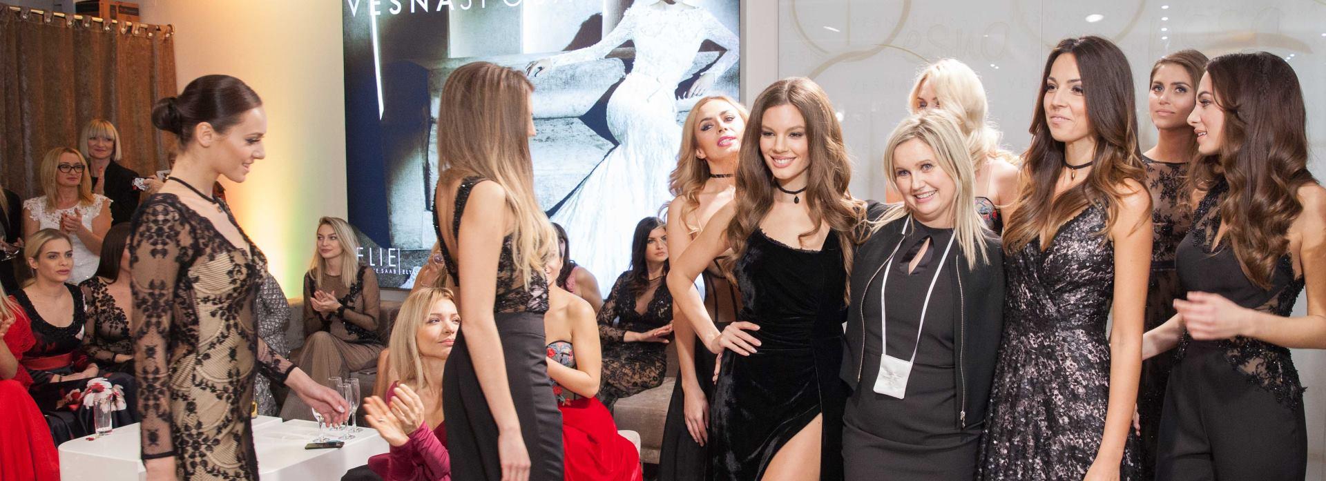 FOTO: Održana gala modna revija 'Božićna haljina by Vesna SPOSA'