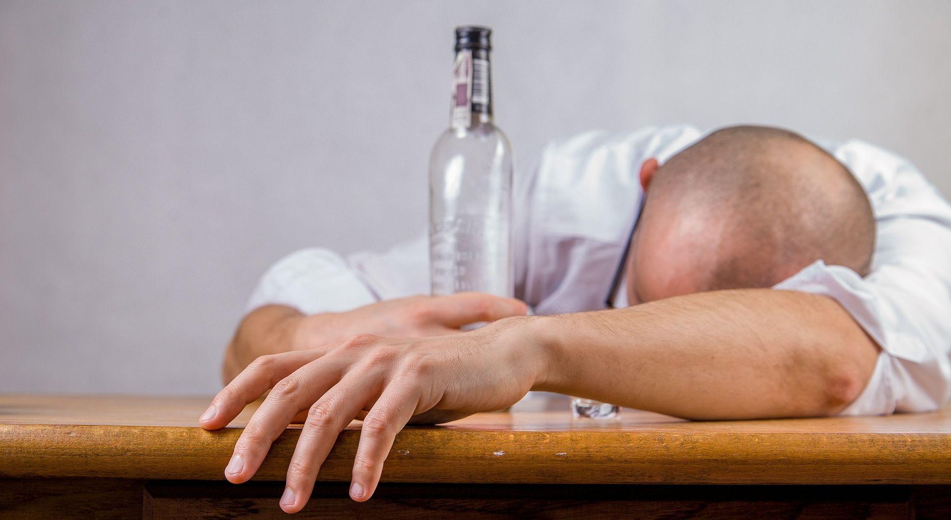 PAKISTAN Najmanje 26 osoba umrlo nakon konzumacije otrovnog alkohola