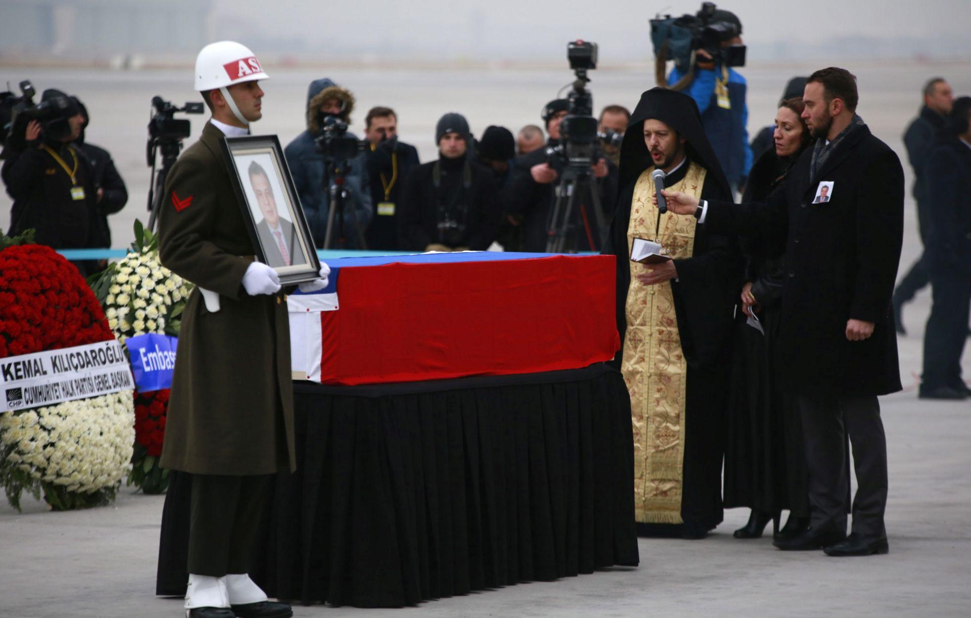 ATENTAT NA VELEPOSLANIKA: Rusija se oprostila od Karlova uz najviše počasti